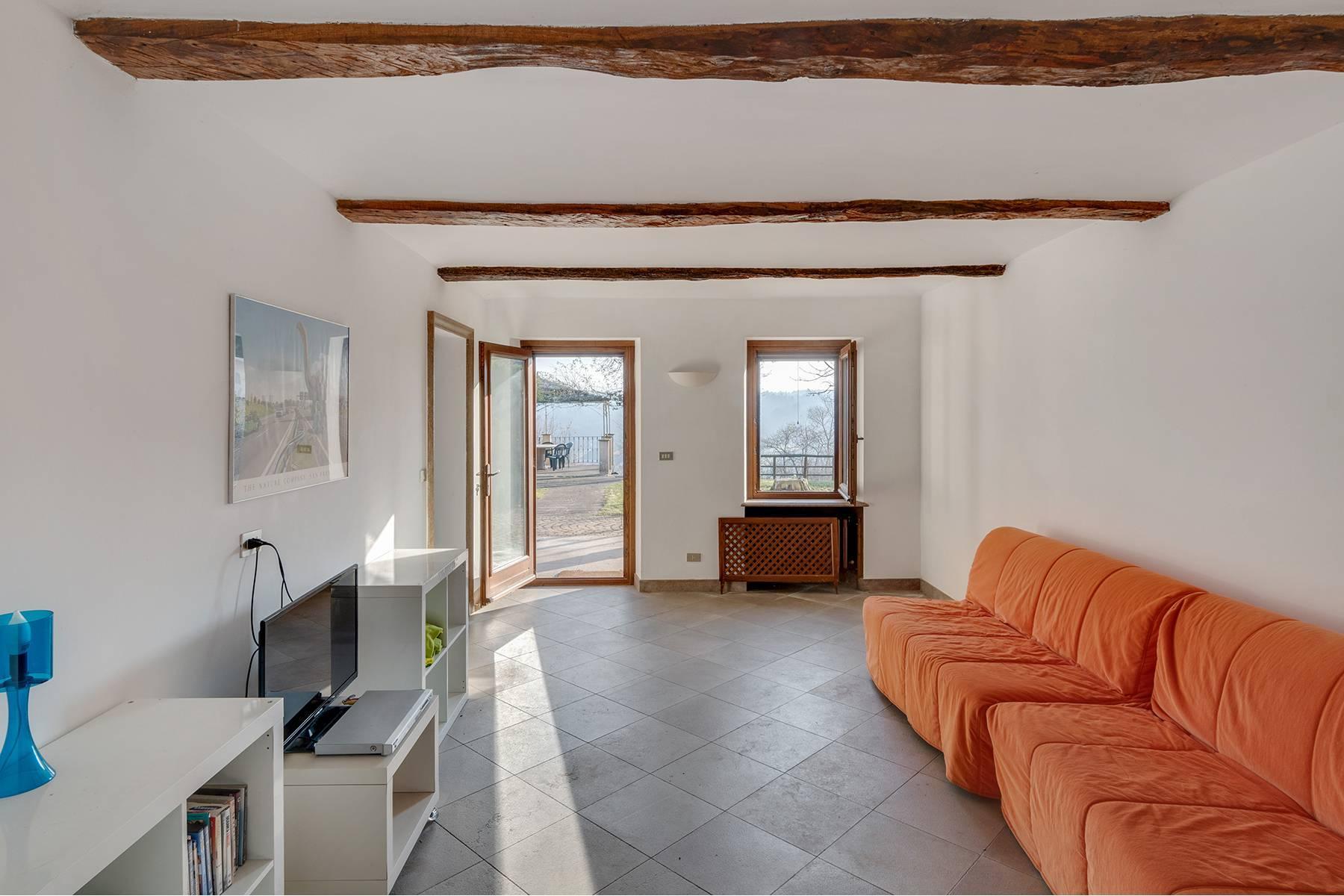 Villa mit Blick auf die Roero Gegend - 2