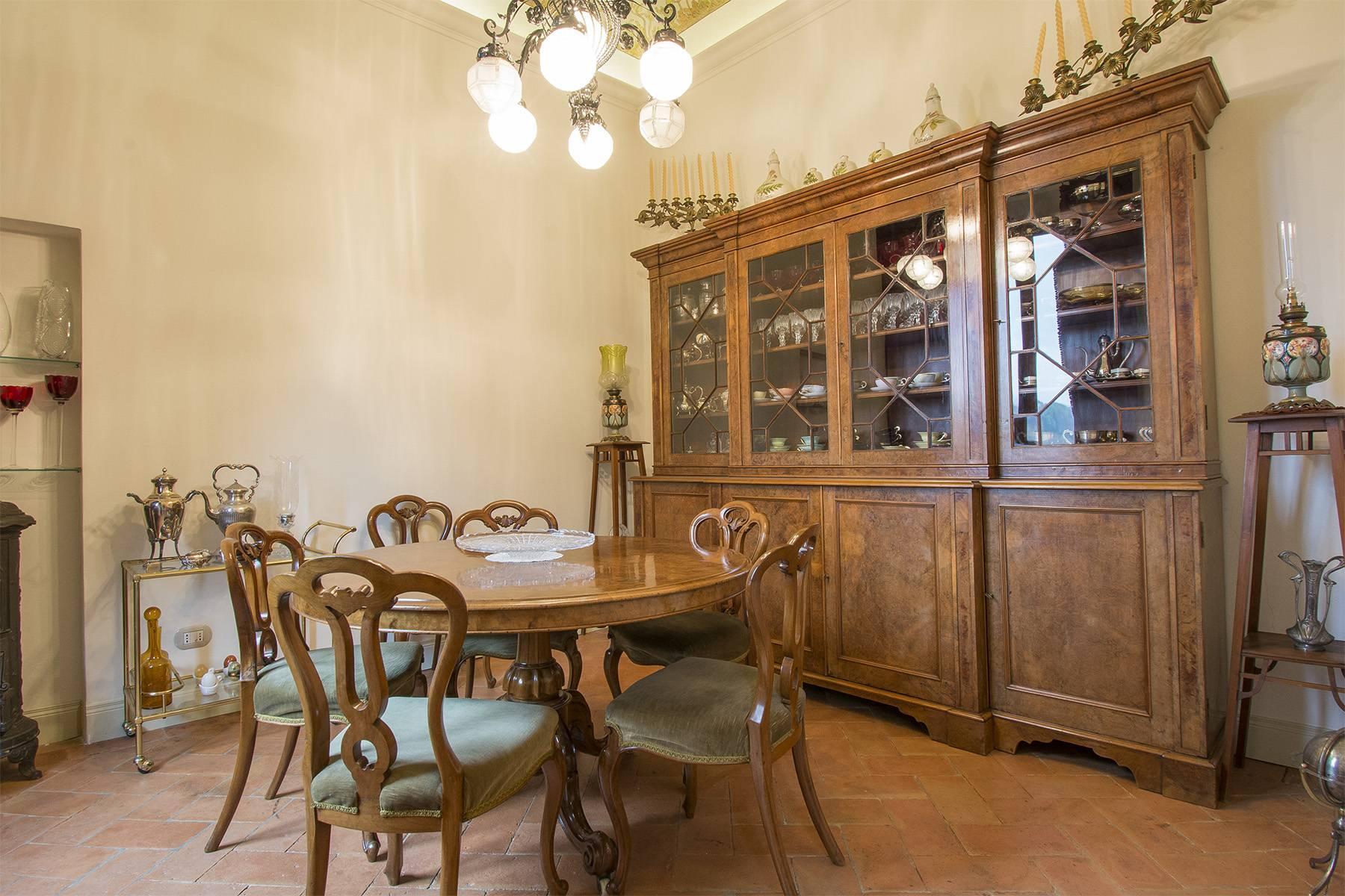 Elegante Wohnung innerhalb einer antiken Villa - 5