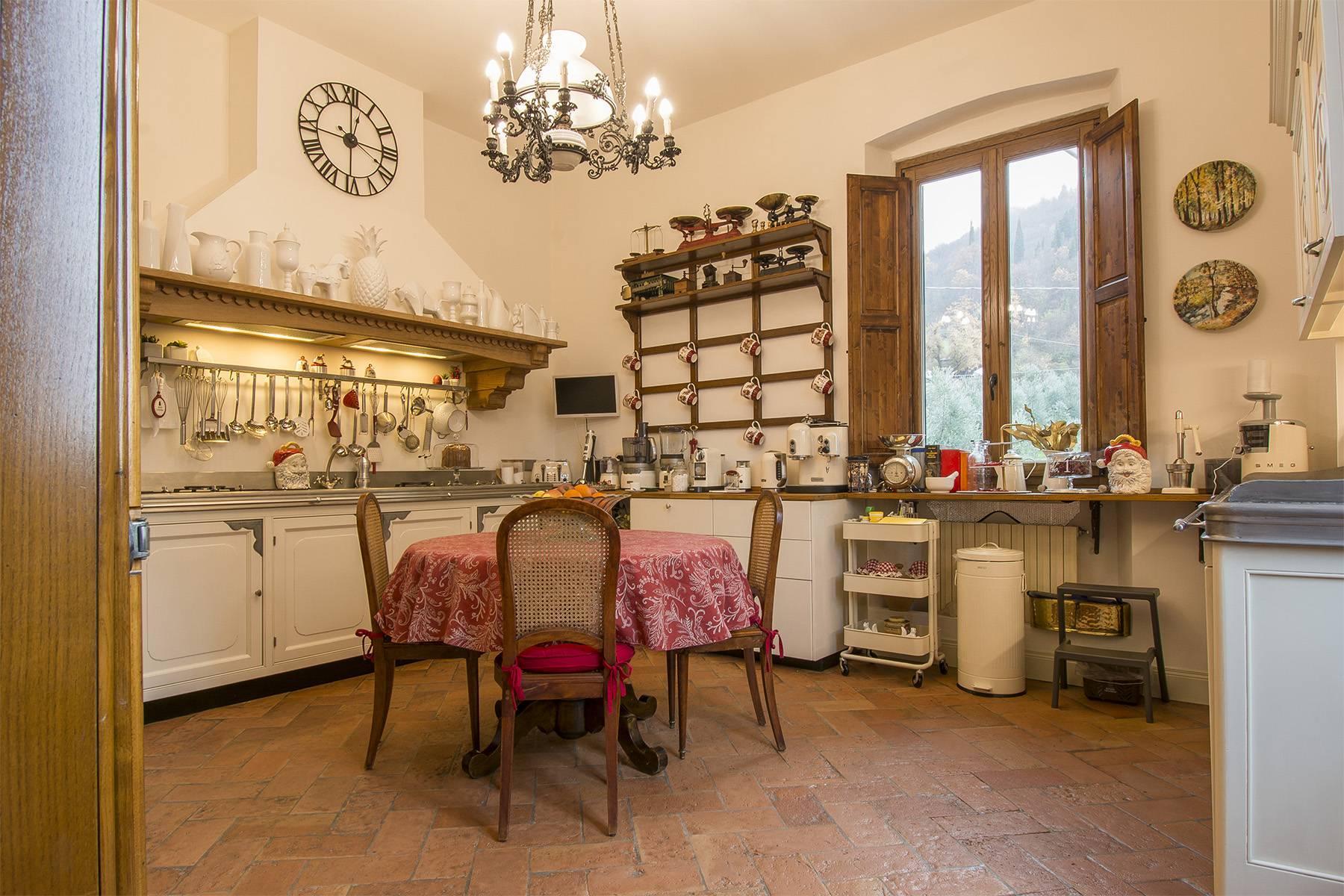Elegante Wohnung innerhalb einer antiken Villa - 7