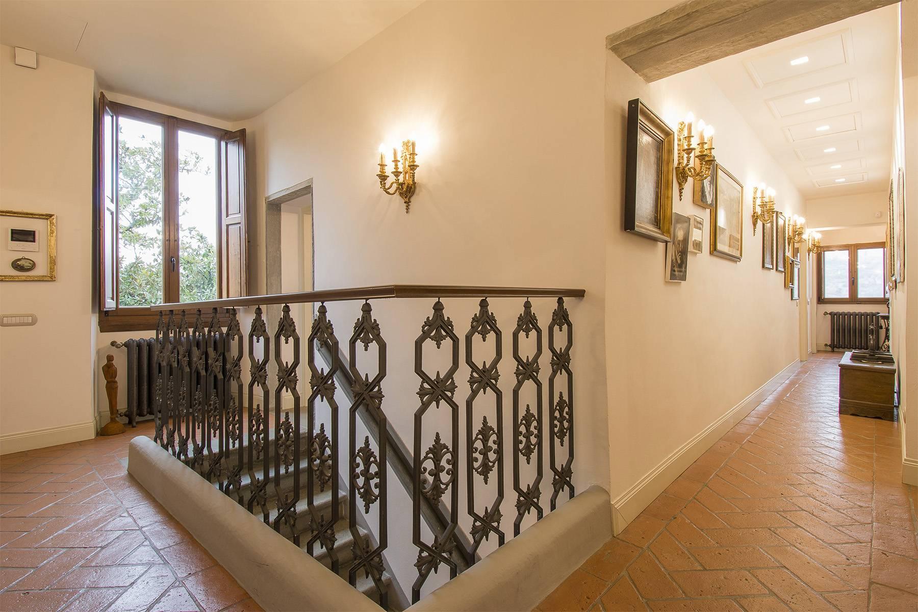 Elegante Wohnung innerhalb einer antiken Villa - 4