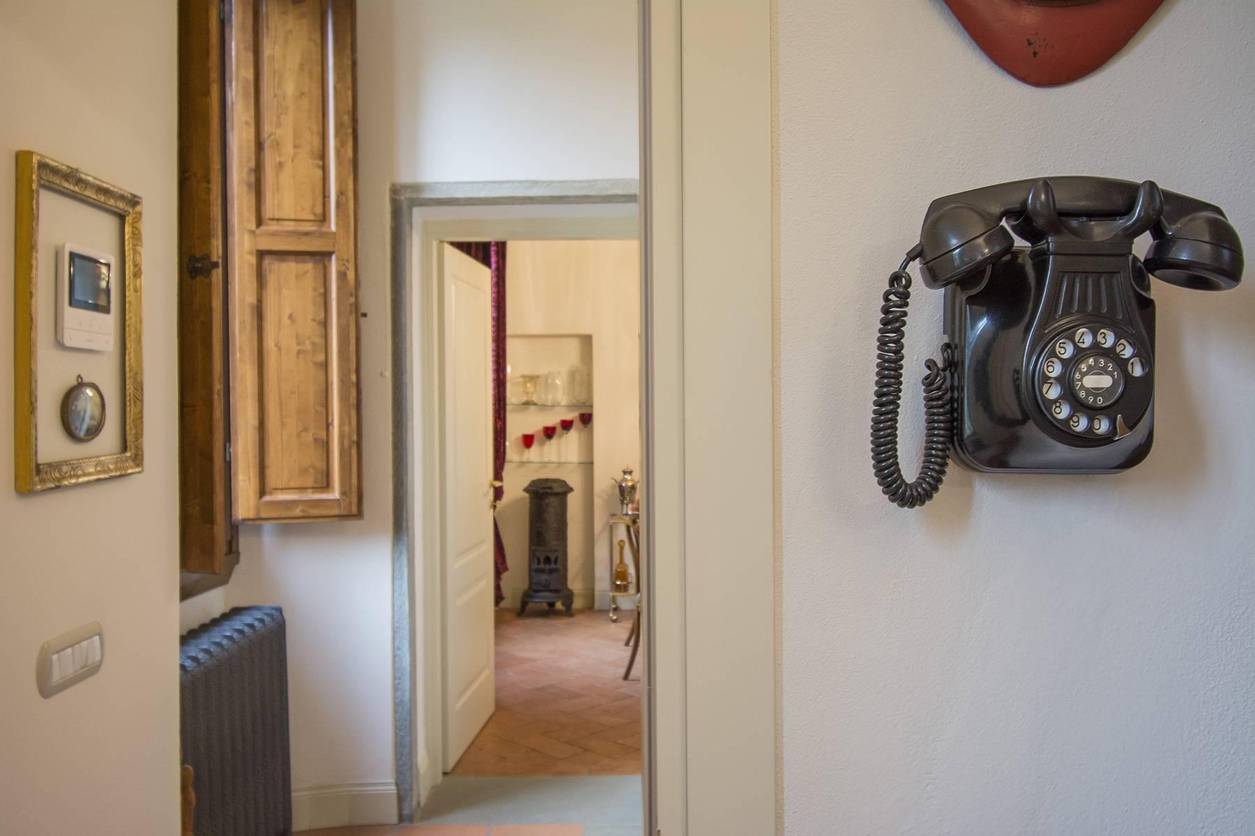 位于古老别墅里的精美公寓 - 14