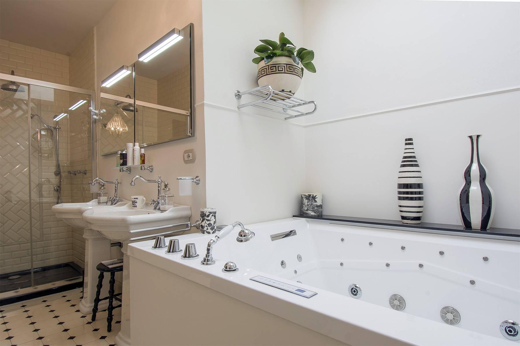 Exquisite apartment within a historic villa - 14