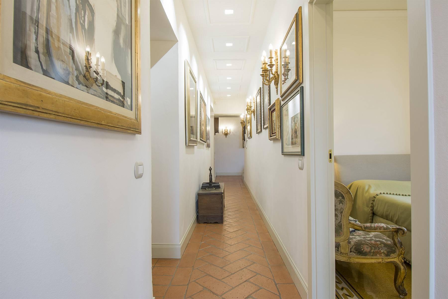 Pregevole appartamento in Villa d'epoca - 16