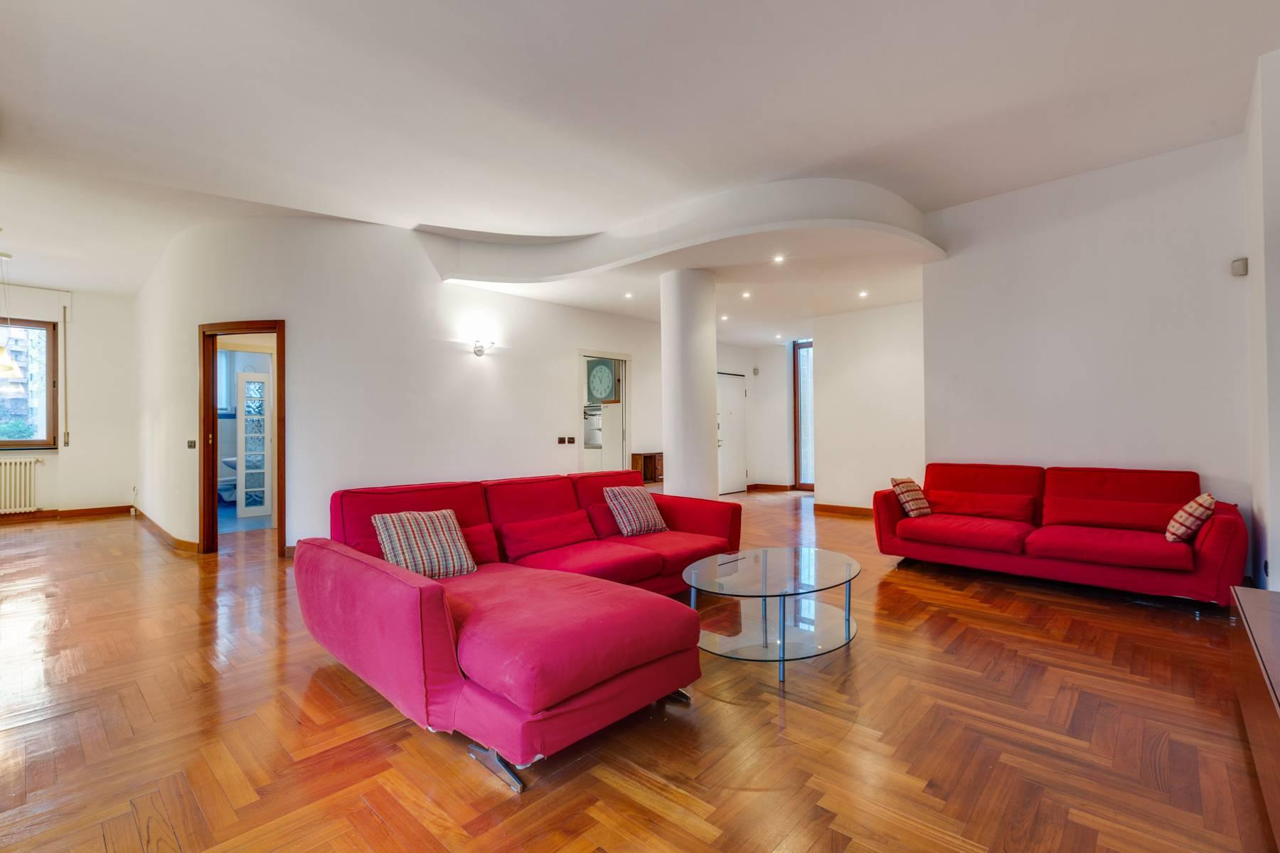 Beautiful furnished three bedroom apartment in Sant'Ambrogio area - 6
