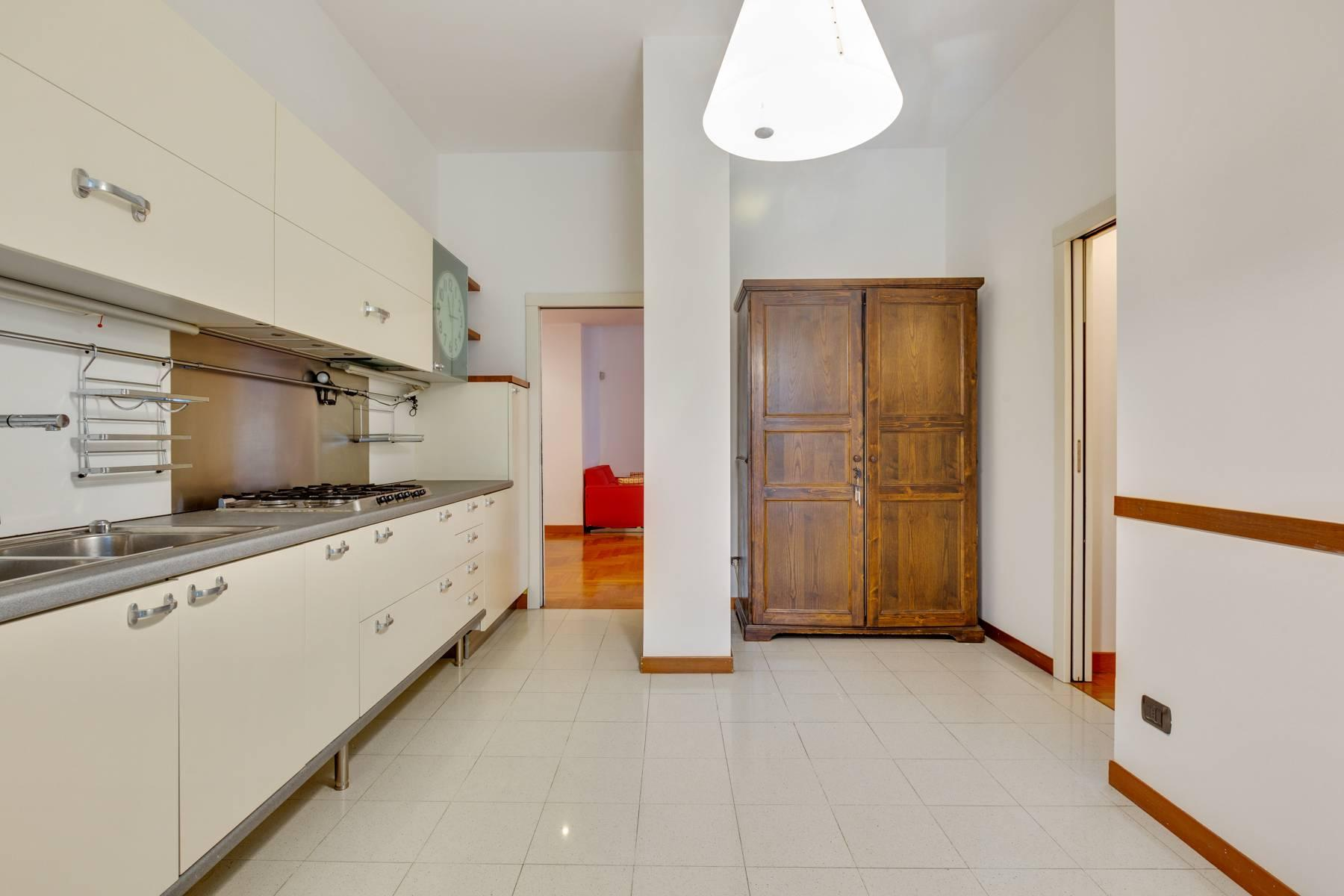 Beautiful furnished three bedroom apartment in Sant'Ambrogio area - 8