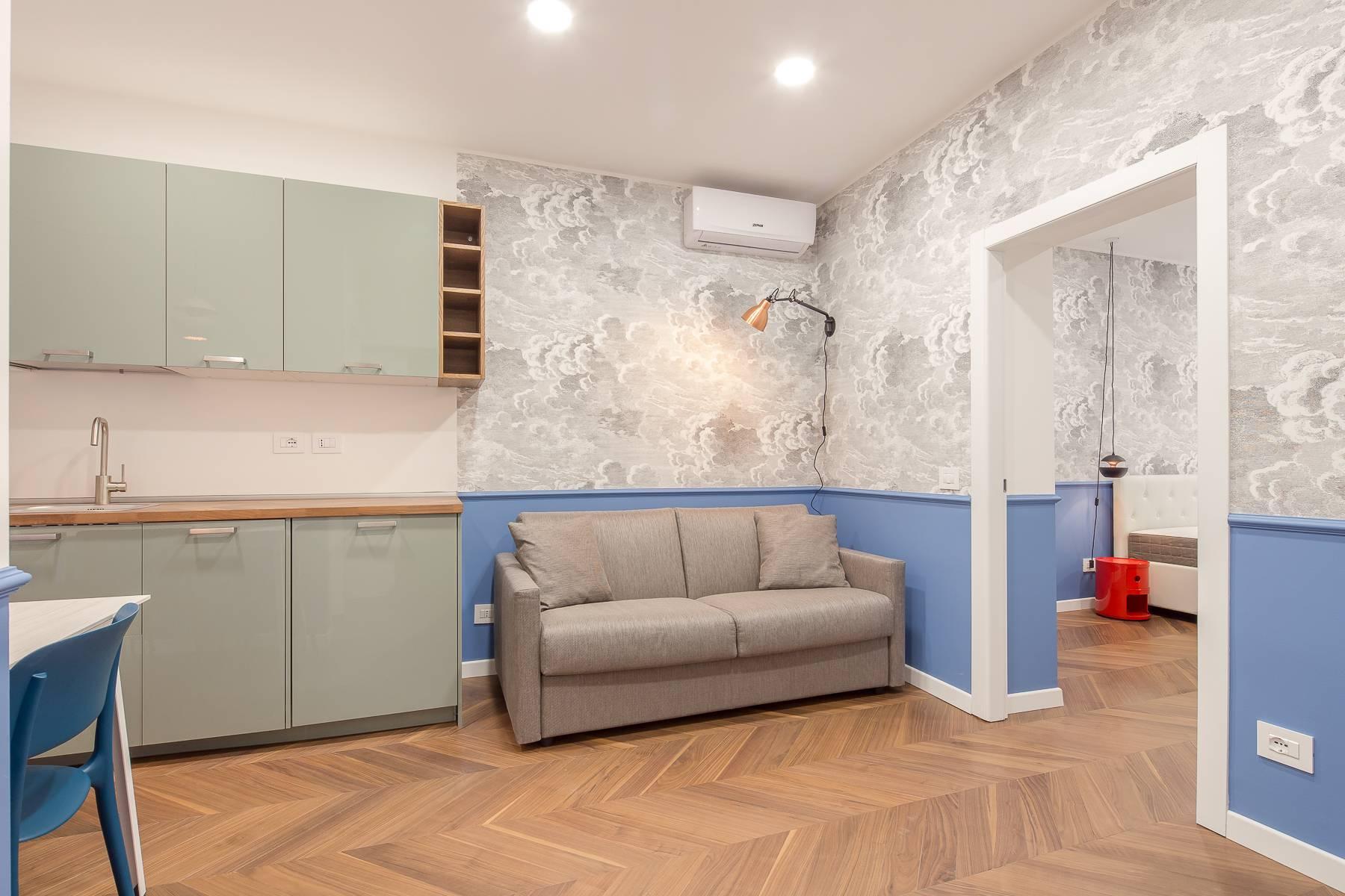 Elegant renovated two-room-apartment in Brera - 2