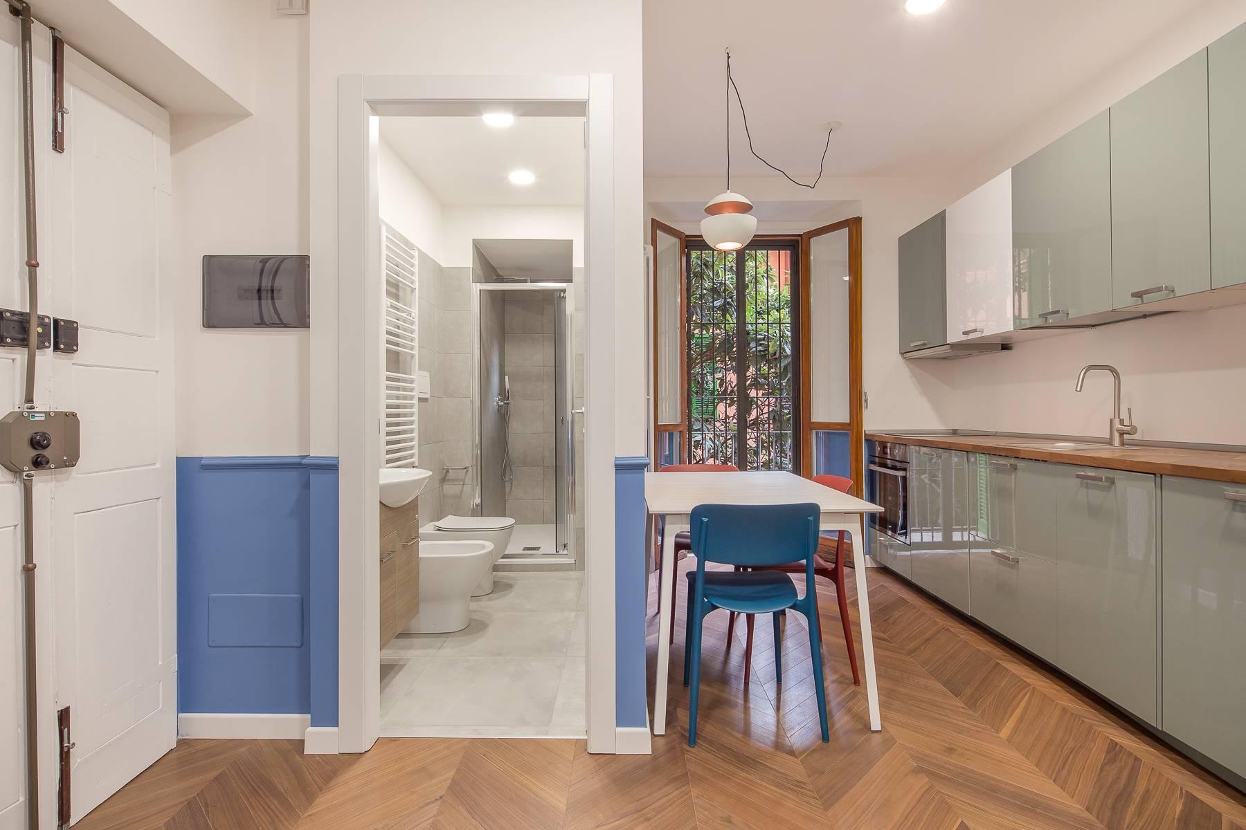 Elegant renovated two-room-apartment in Brera - 3