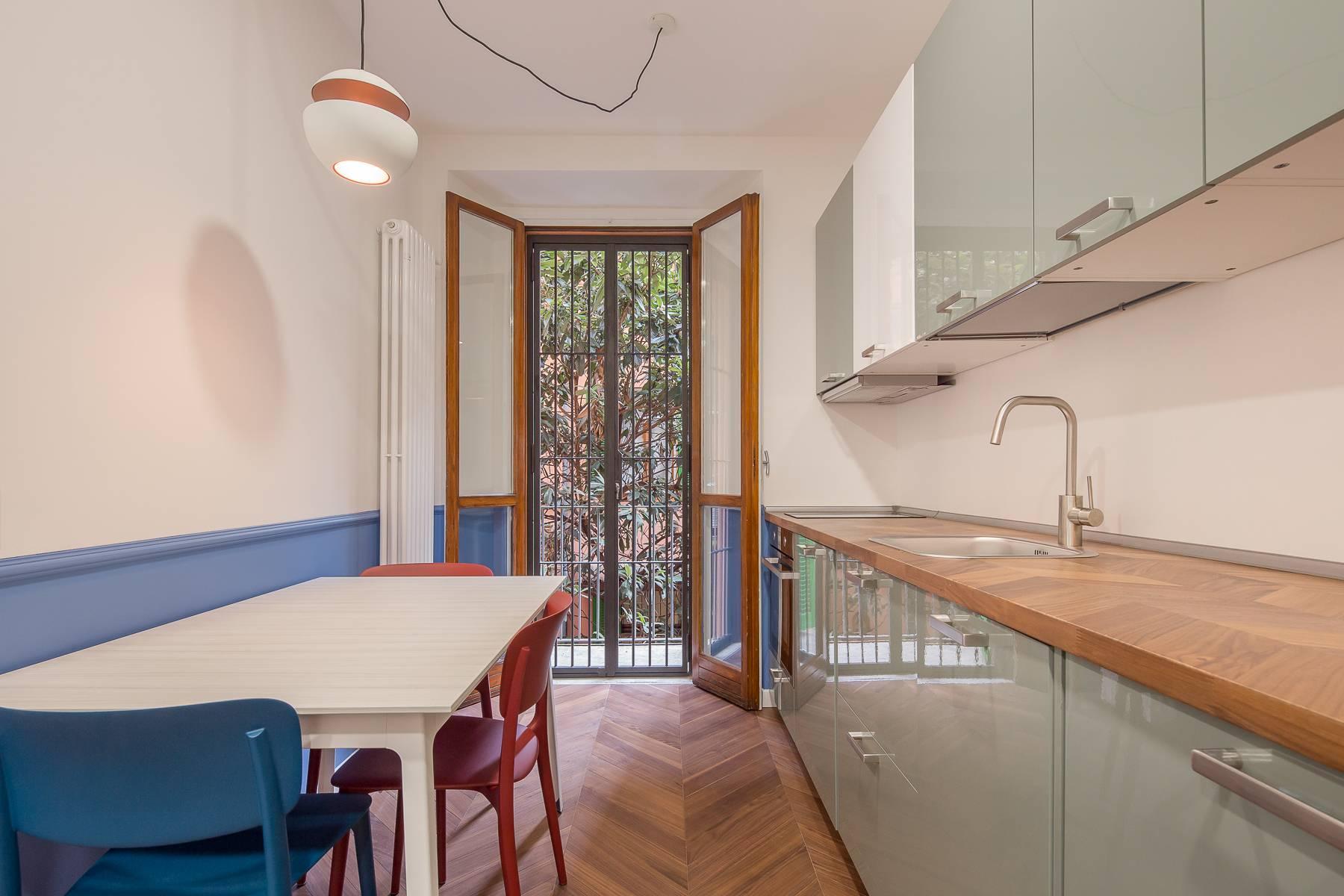 Elegant renovated two-room-apartment in Brera - 4