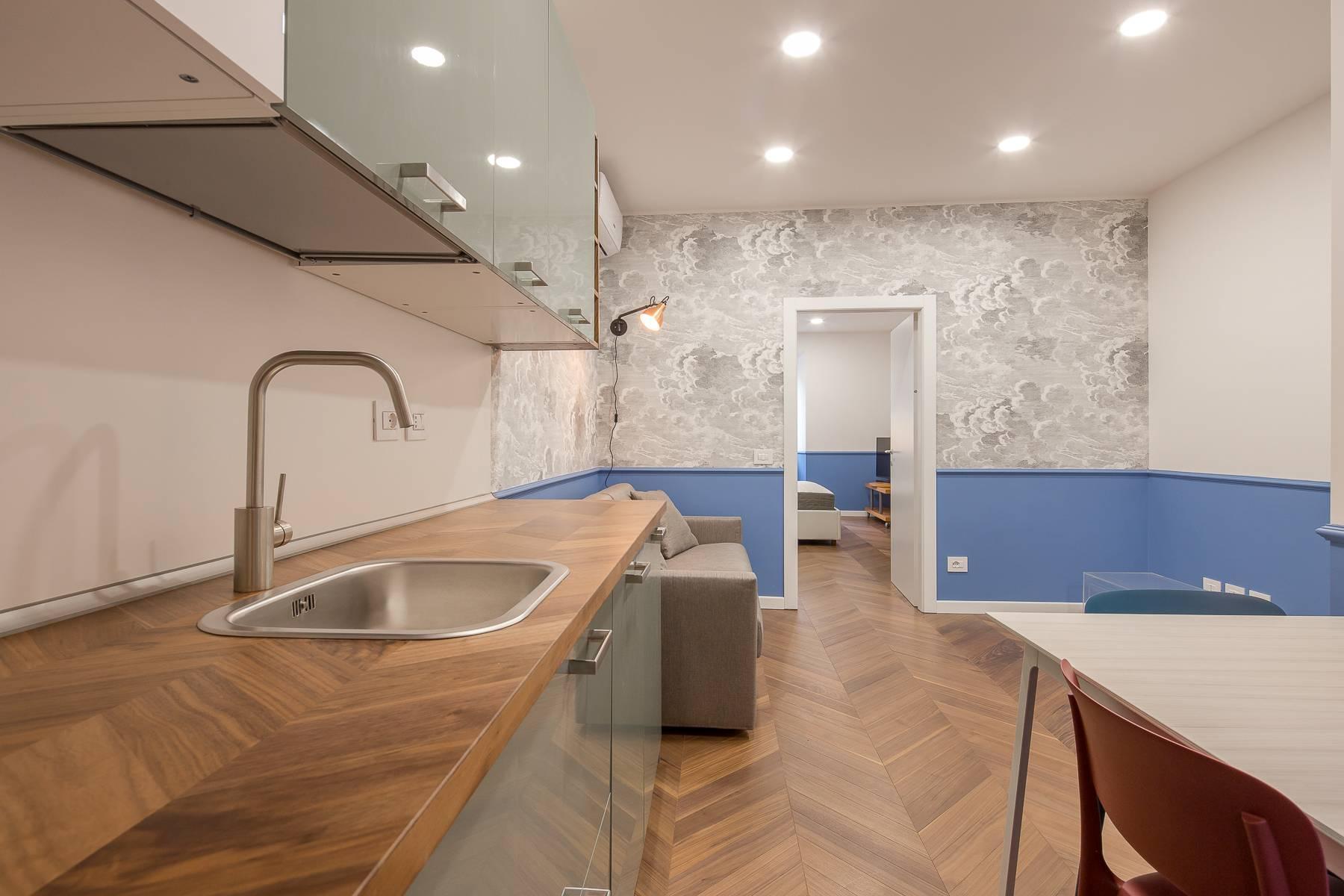 Elegant renovated two-room-apartment in Brera - 7