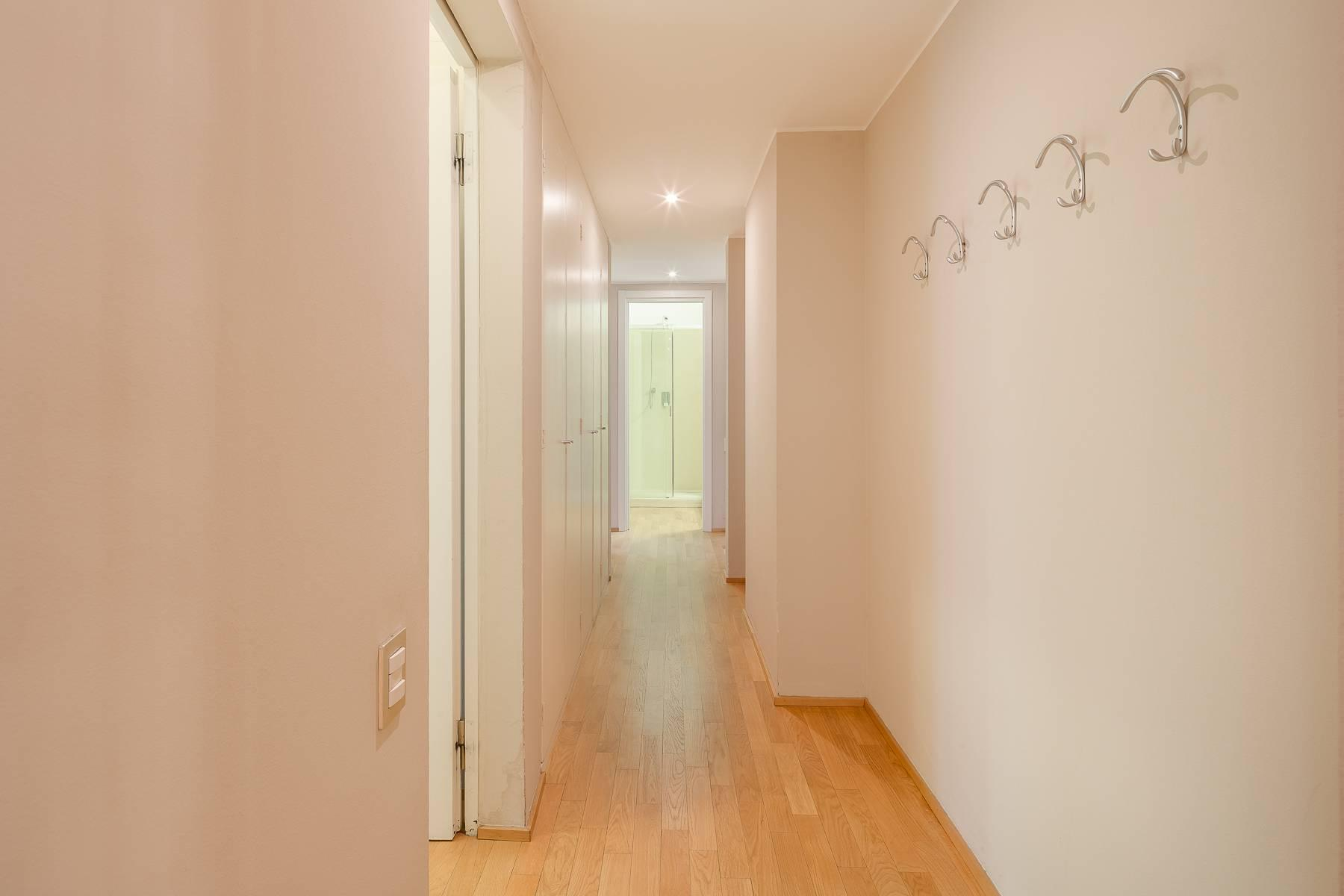 Inviting and fully renovated apartment in Via Ruffini - 25