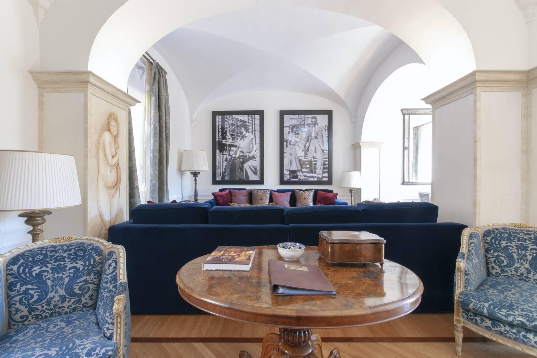 Шикарная резиденция с видом на Trinità dei Monti - 14