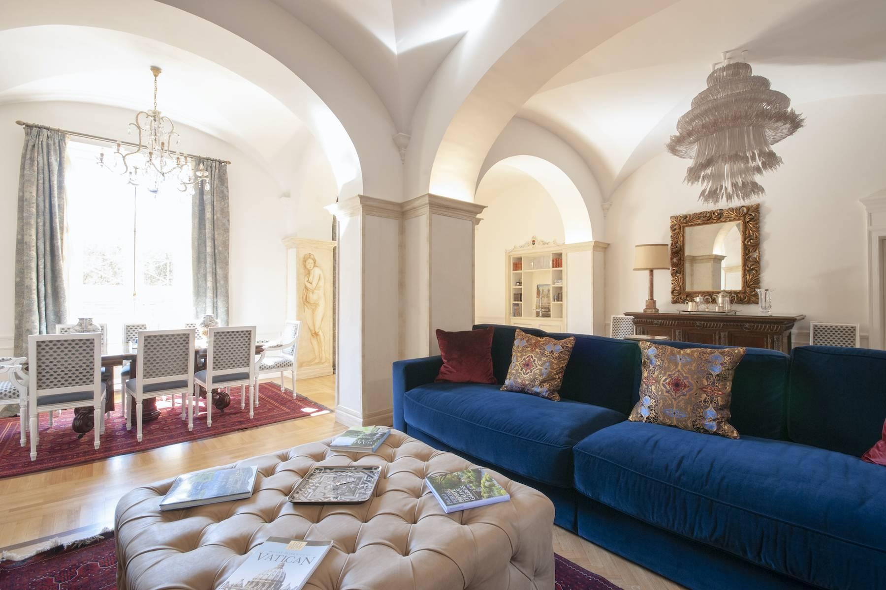 Wonderful residence overlooking Trinità dei Monti - 2