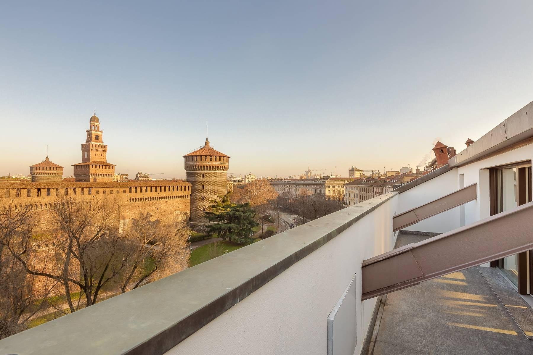 Inviting furnished penthouse with terraces in the Castello area - 12