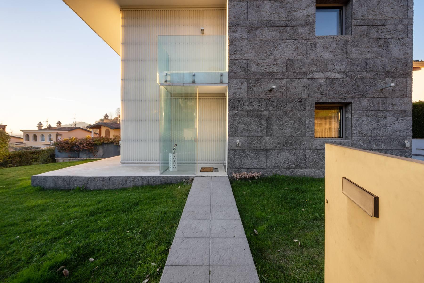 International Style villa in the heart of Franciacorta - 30