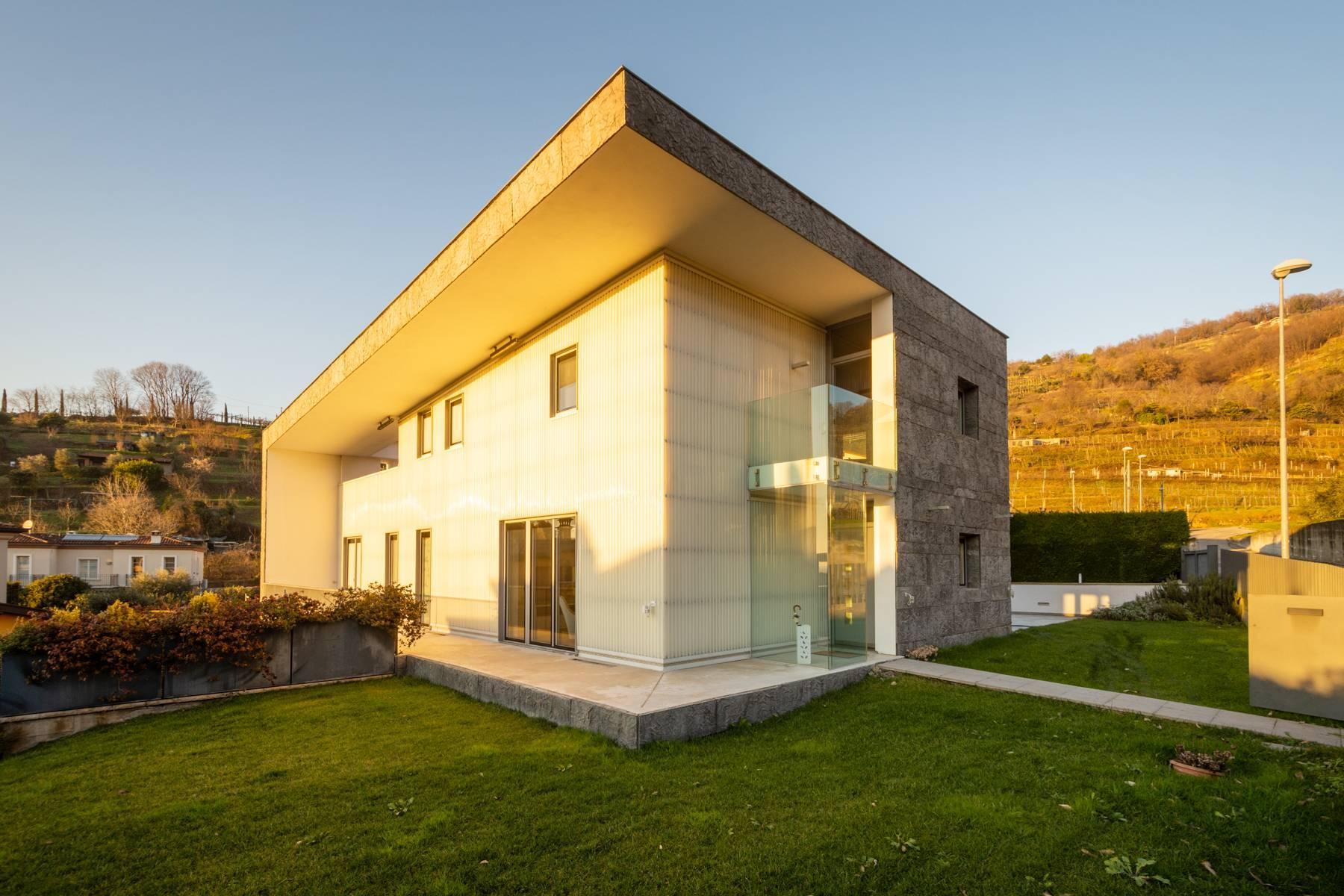 International Style villa in the heart of Franciacorta - 31