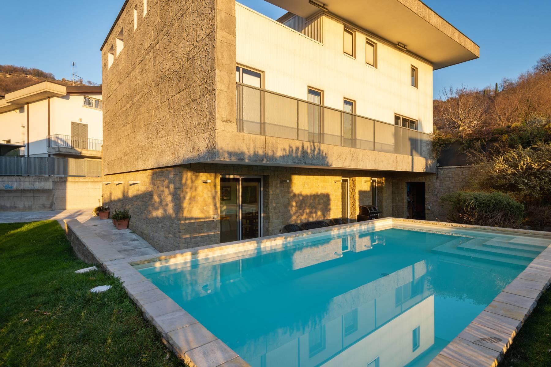 Splendida villa International Style nel cuore della Franciacorta - 32