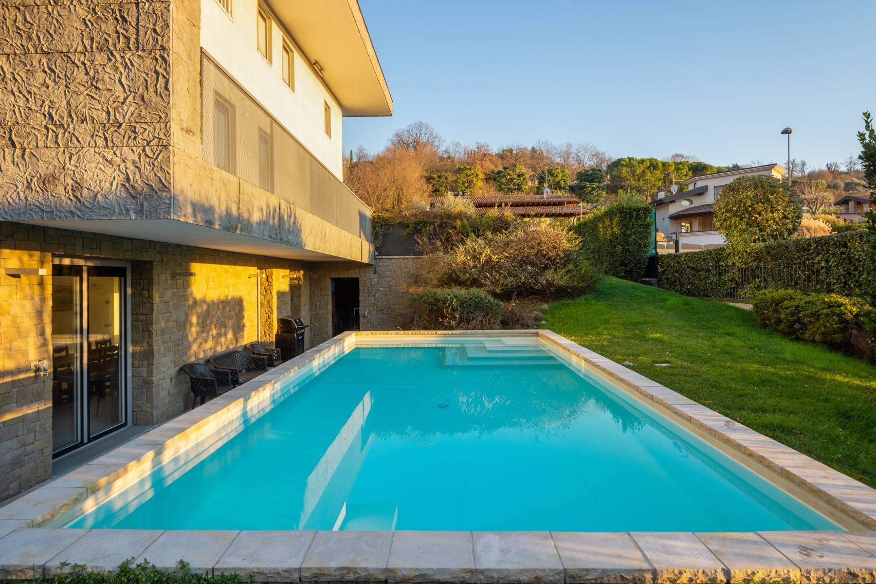 Splendida villa International Style nel cuore della Franciacorta - 2