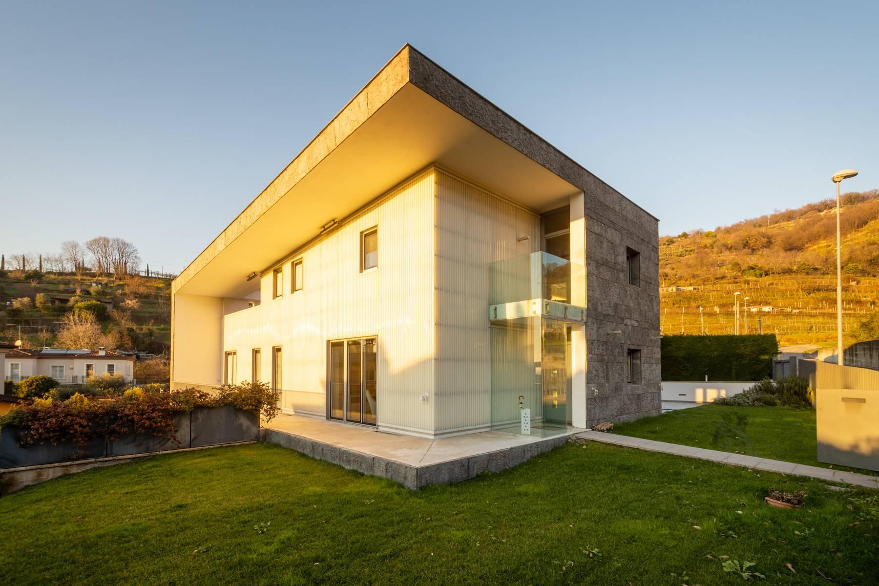 Villa contemporaine située en