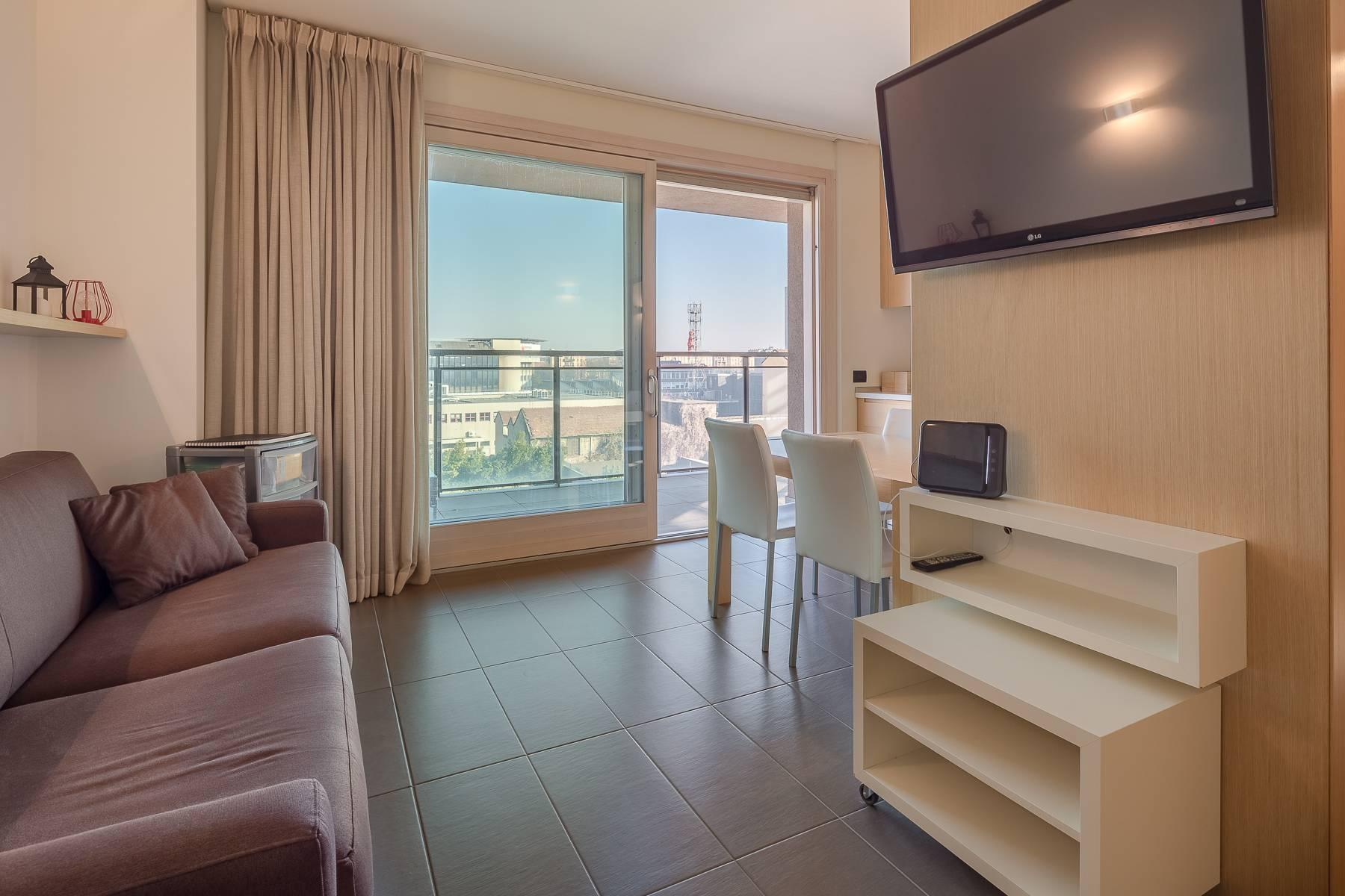 New two-room apartment with terrace in Giax Tower - 5