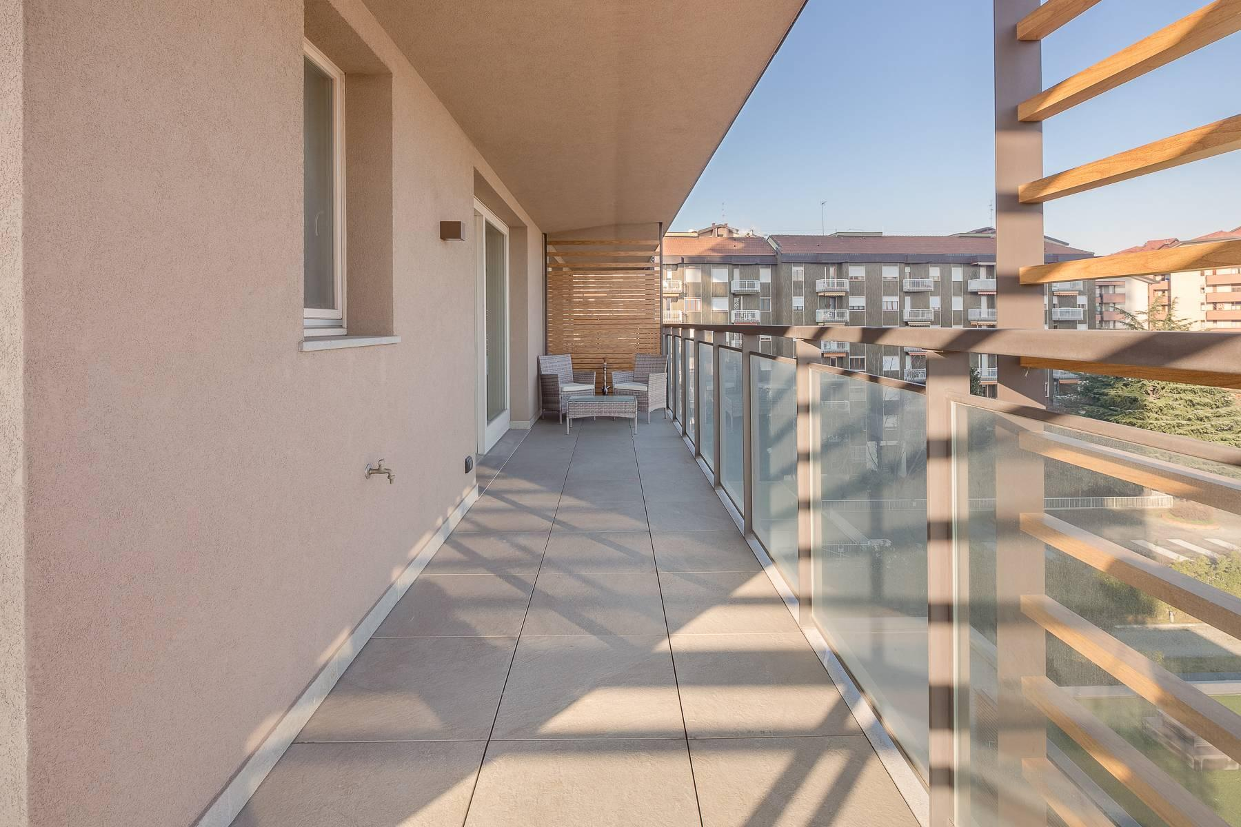 New two-room apartment with terrace in Giax Tower - 22