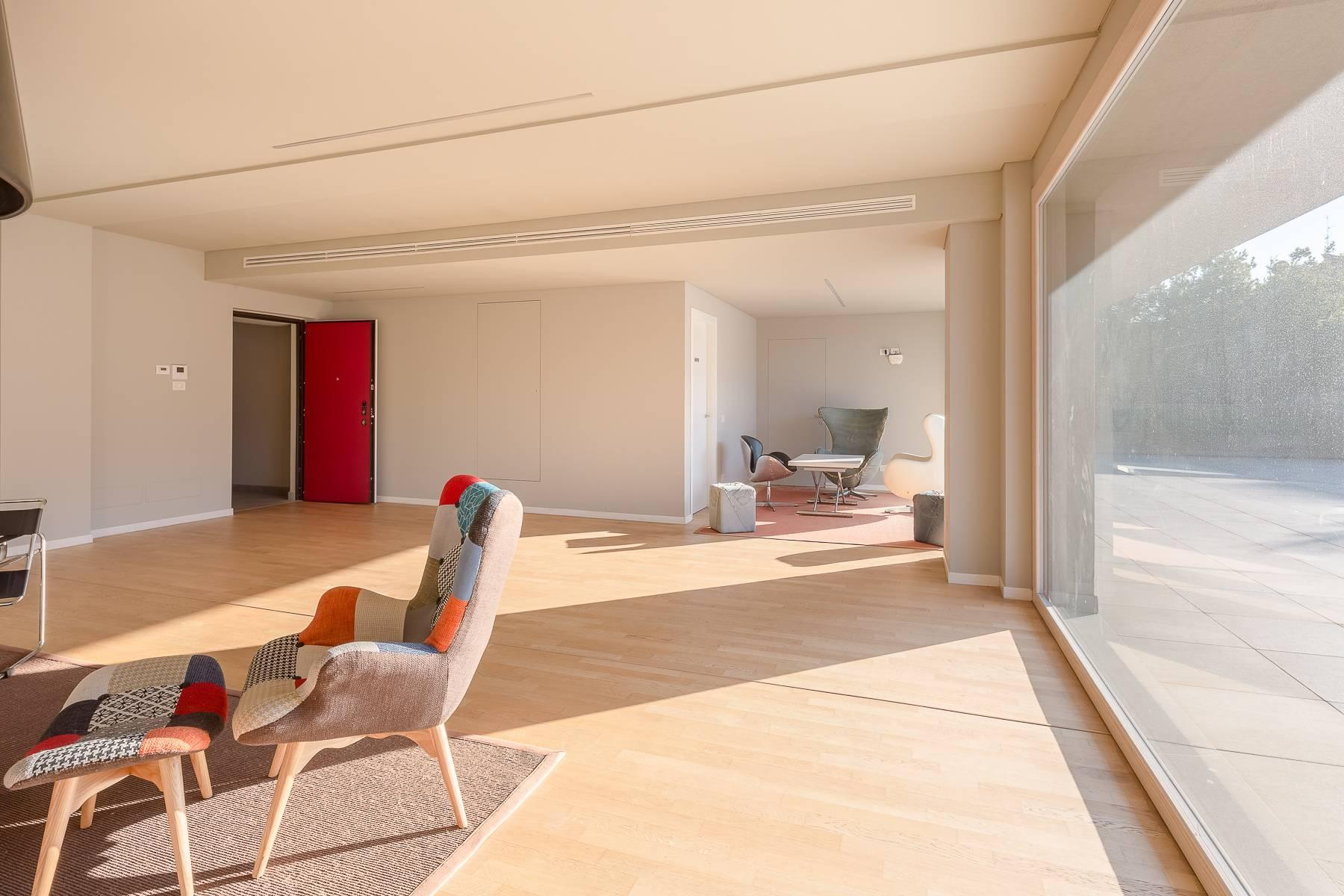 New two-room apartment with terrace in Giax Tower - 27