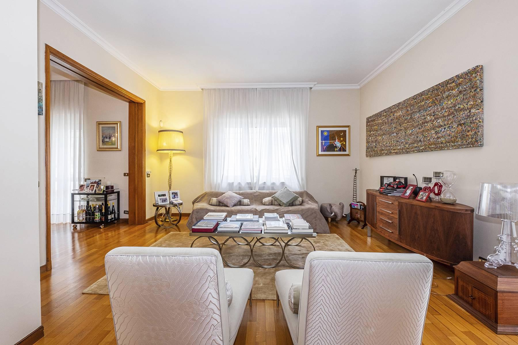 Modern penthouse with stunning 70 sqm terrace a stone's throw from Villa Borghese - 1