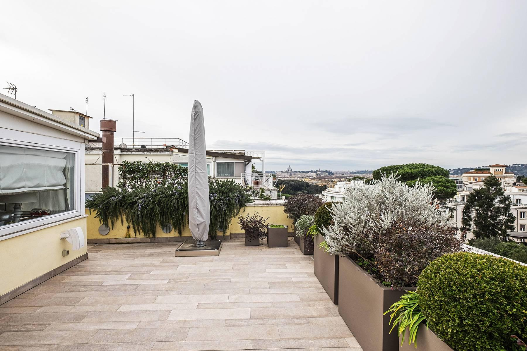 Modern penthouse with stunning 70 sqm terrace a stone's throw from Villa Borghese - 19