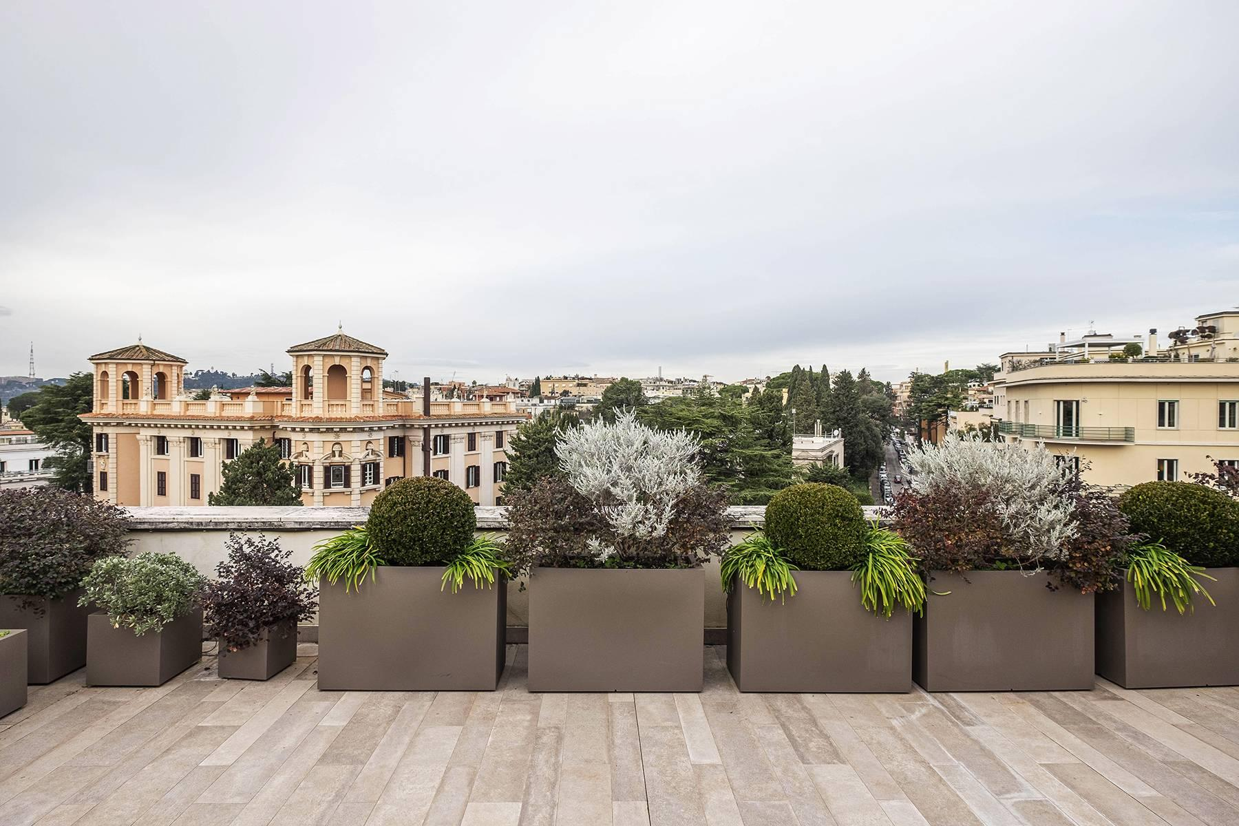 Modern penthouse with stunning 70 sqm terrace a stone's throw from Villa Borghese - 20