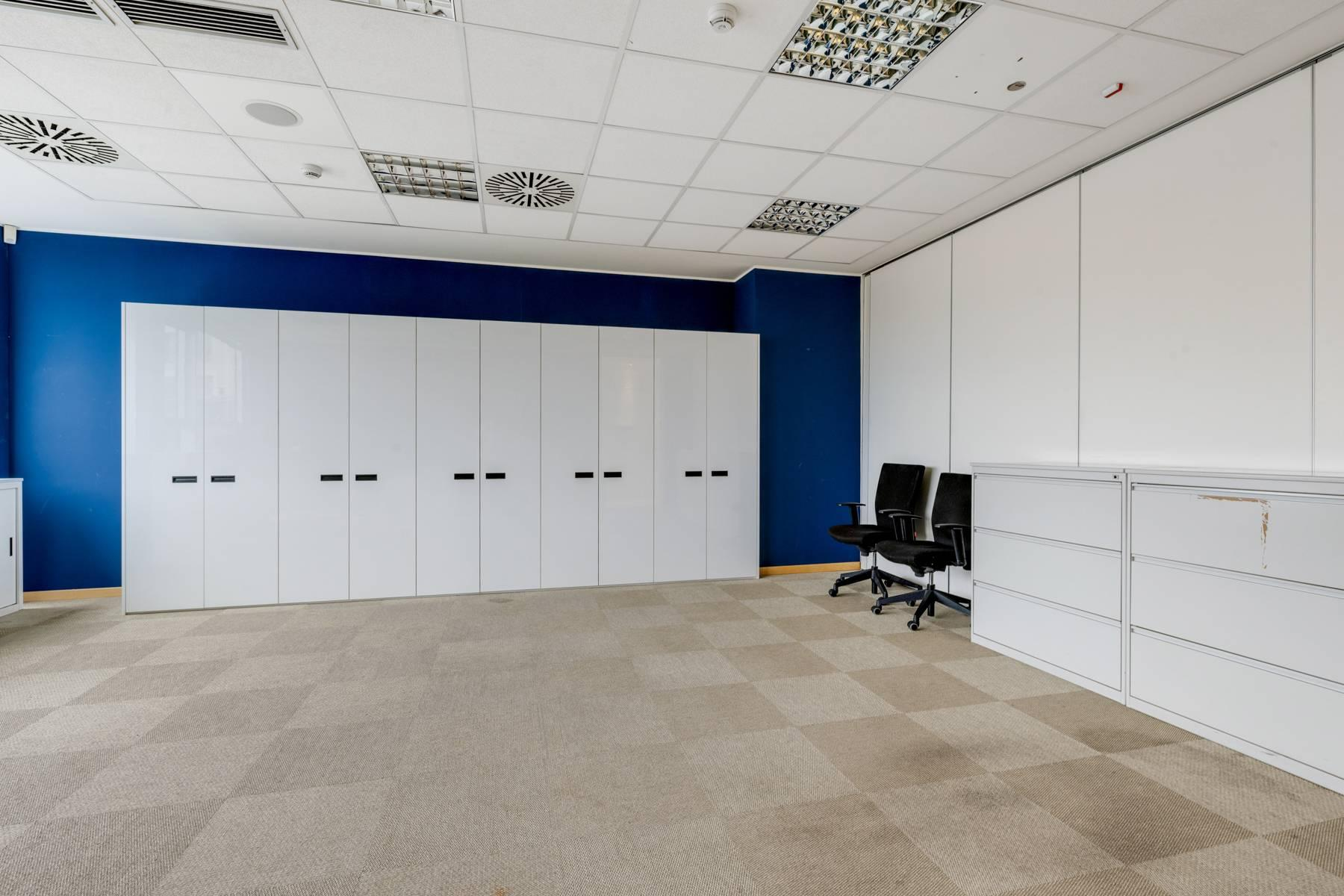 Prestigious office in a strategic position - 11