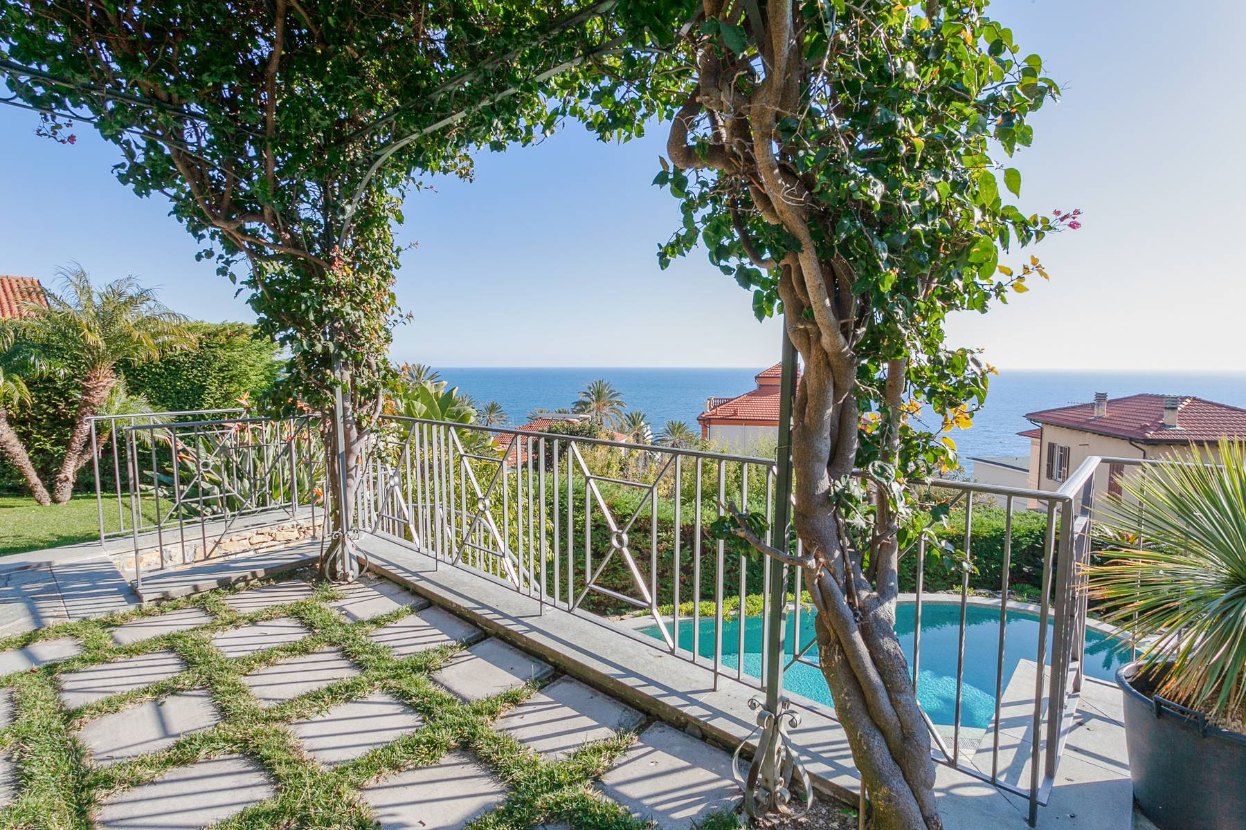 Inviting villa in Bordighera - 5