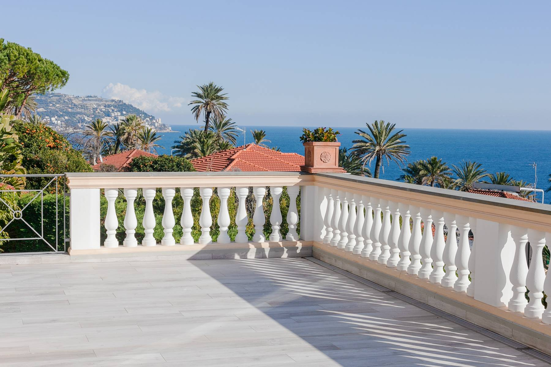 Inviting villa in Bordighera - 1