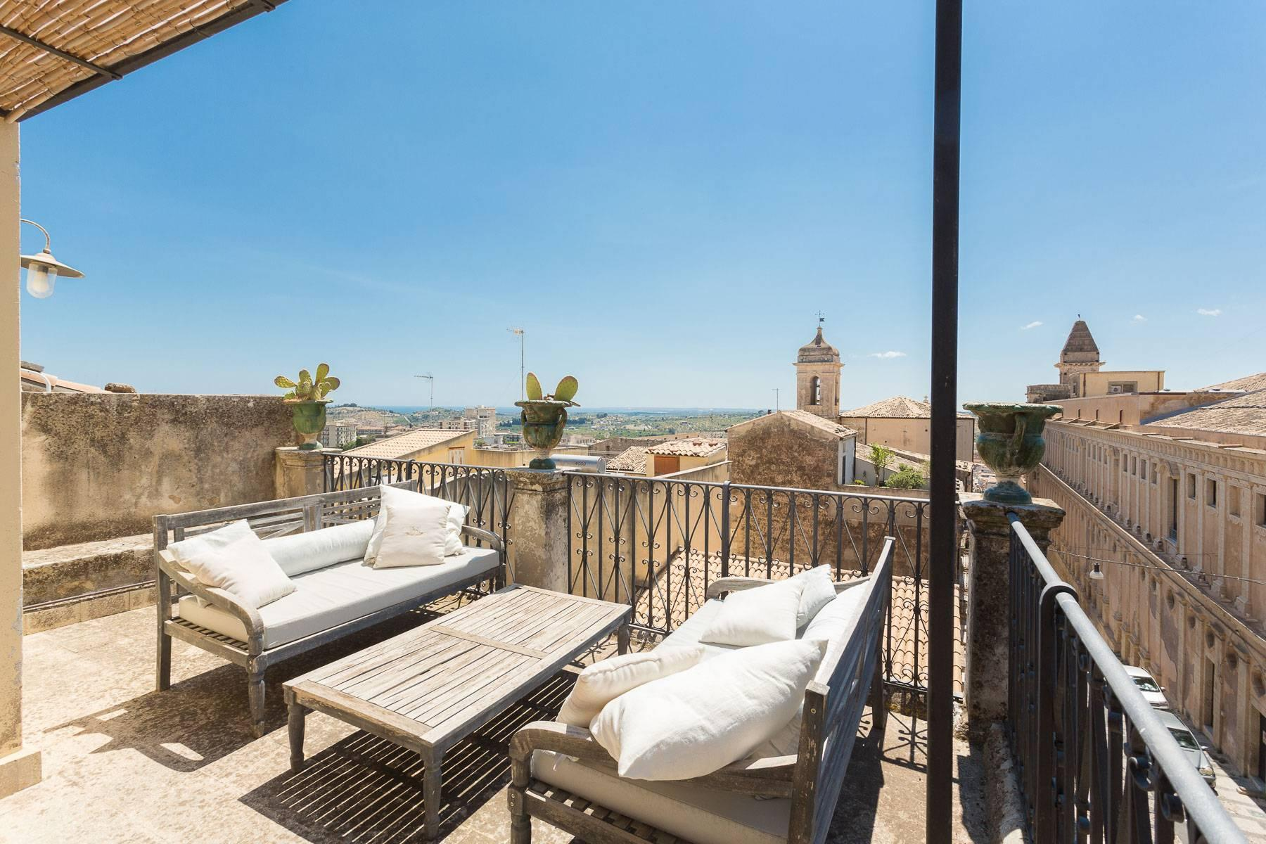 Charming penthouse in Noto - 2