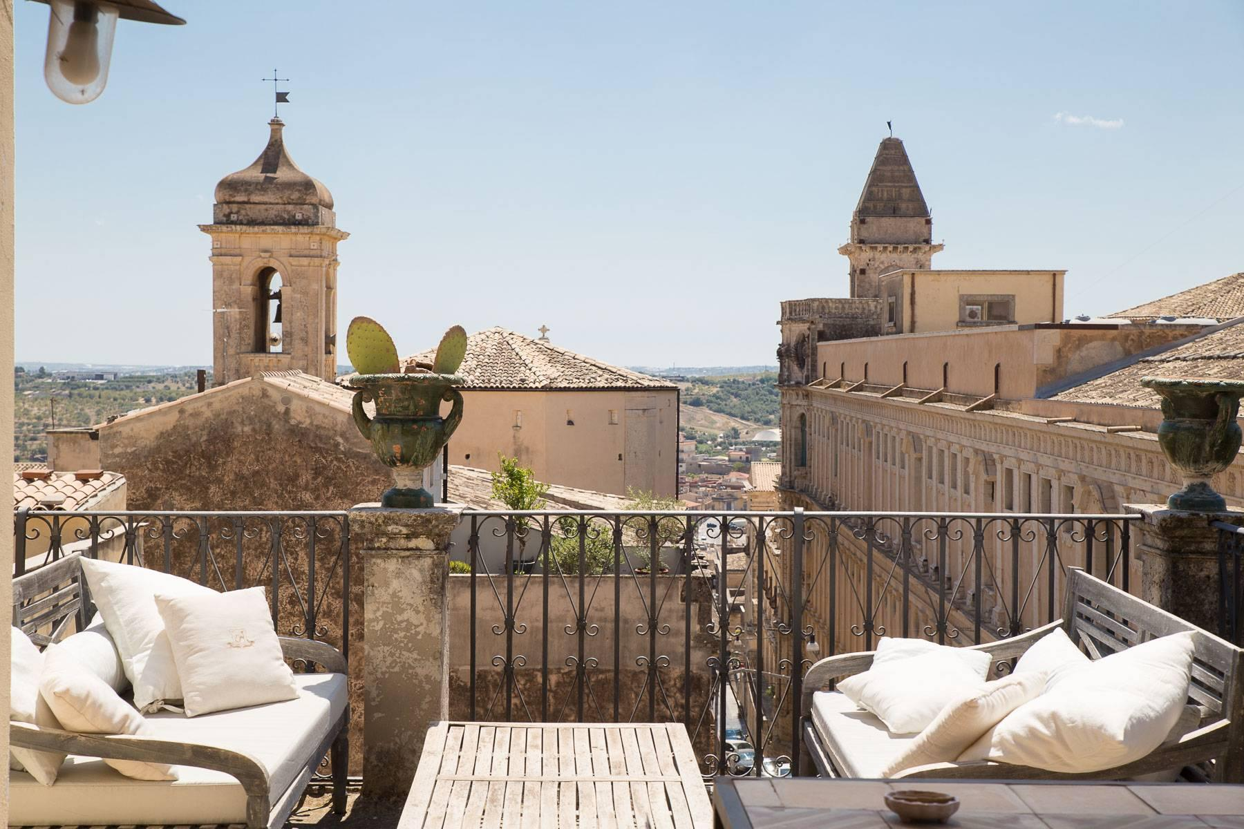 Charming penthouse in Noto - 1