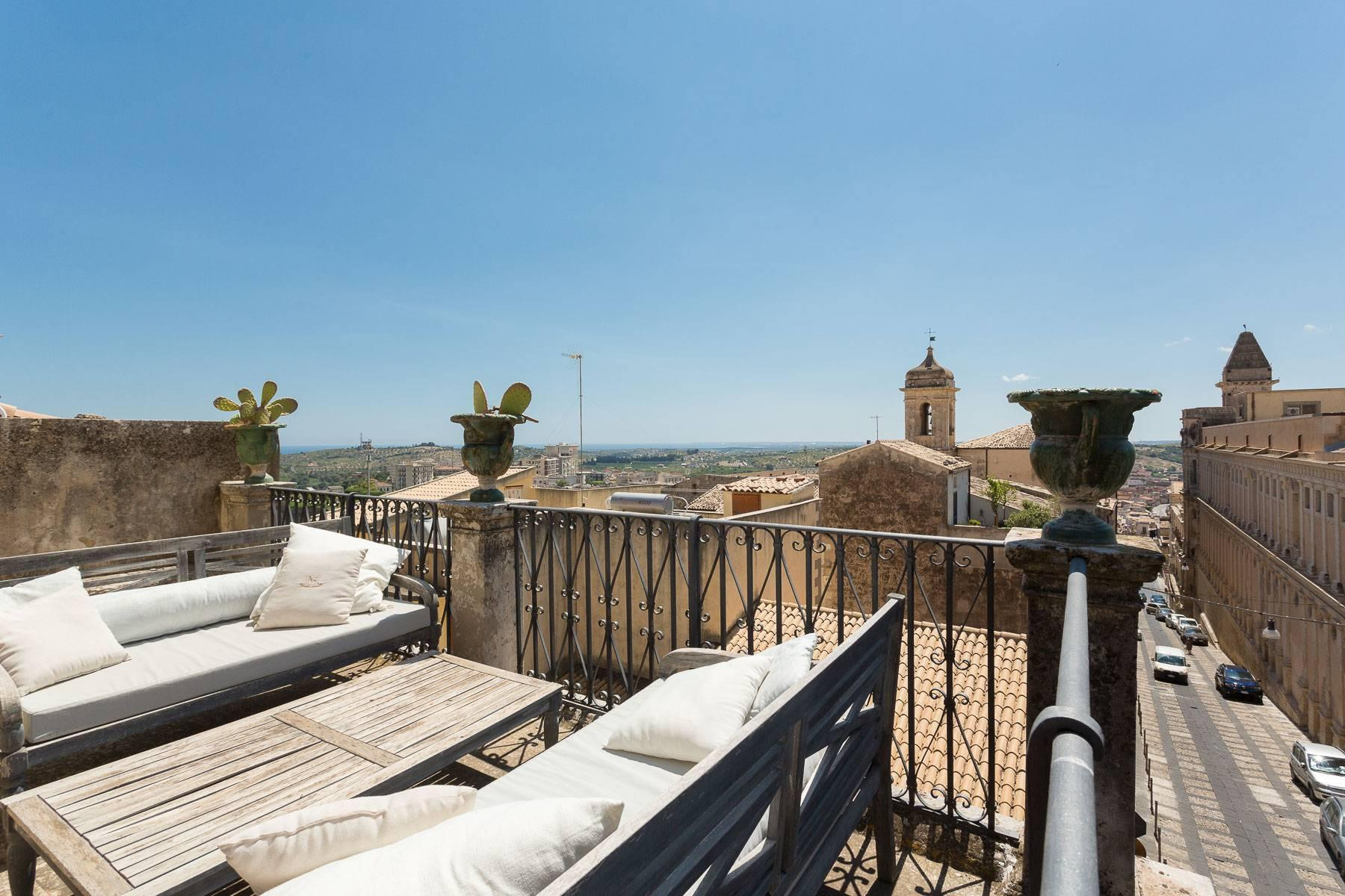Charming penthouse in Noto - 8