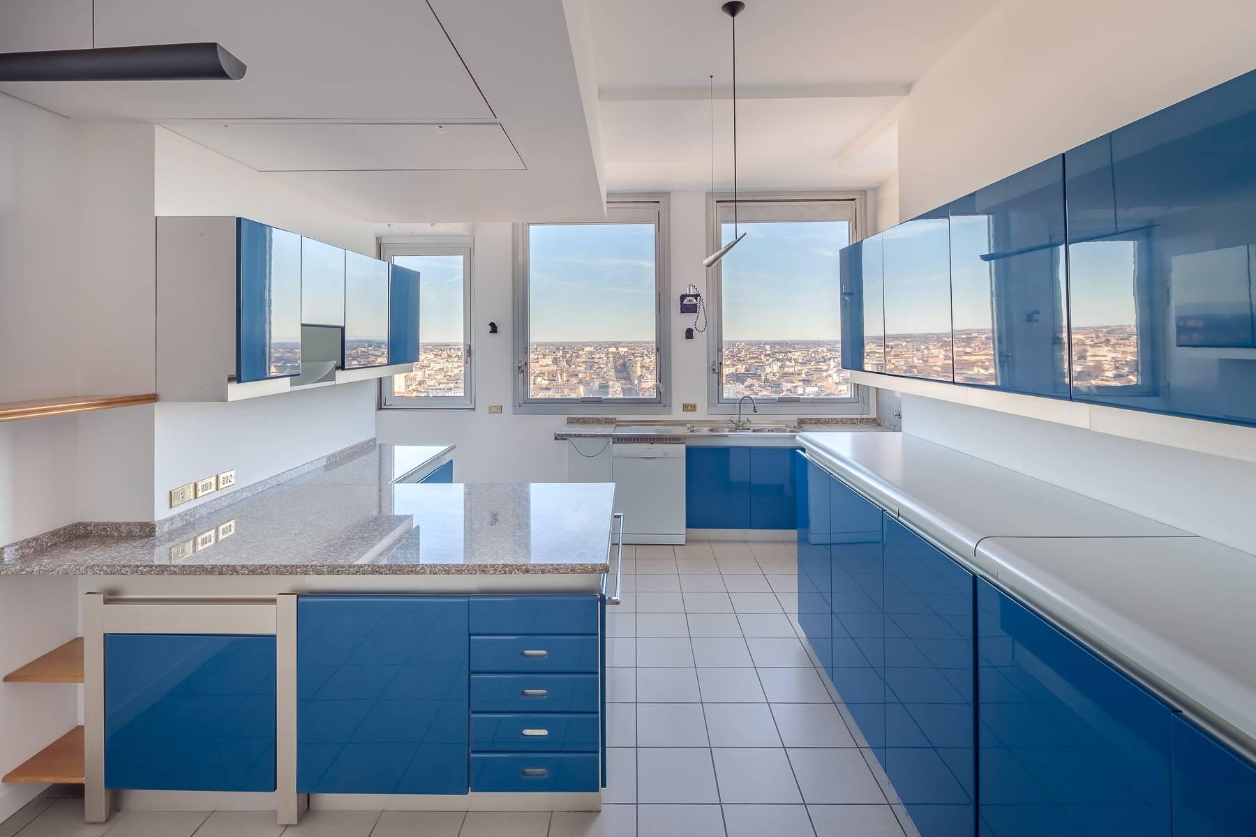 Spektakuläre Wohnung im Wolkenkratzer auf der Piazza Repubblica - 17