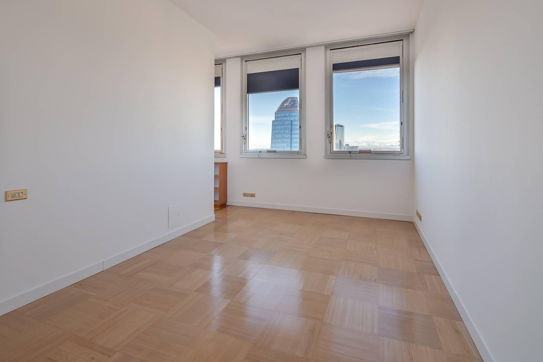 Spektakuläre Wohnung im Wolkenkratzer auf der Piazza Repubblica - 27