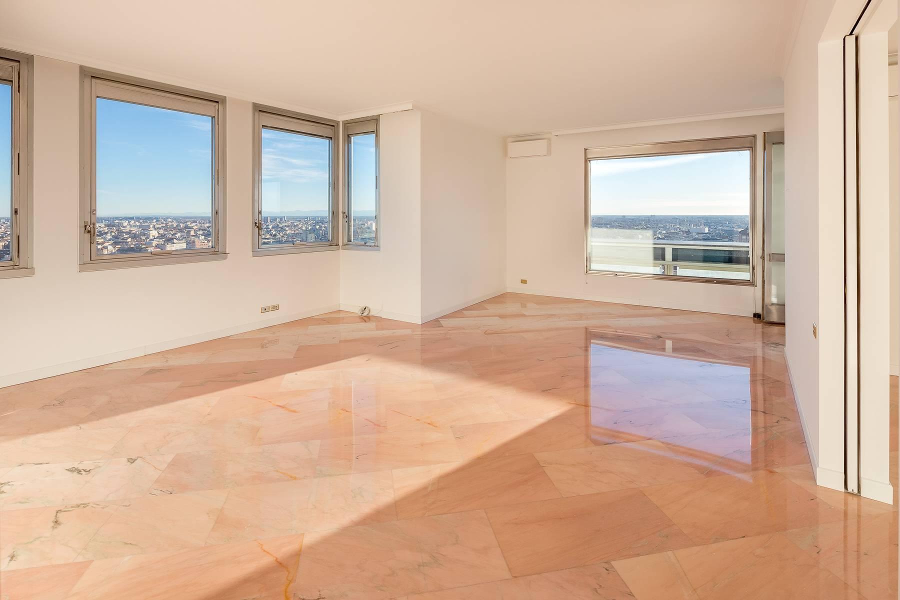 Spektakuläre Wohnung im Wolkenkratzer auf der Piazza Repubblica - 3