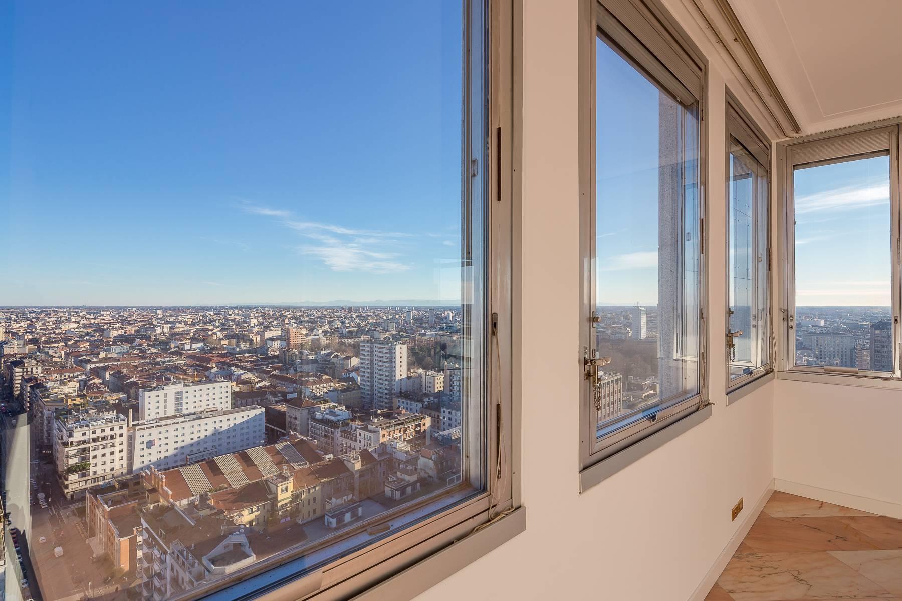 Spektakuläre Wohnung im Wolkenkratzer auf der Piazza Repubblica - 14