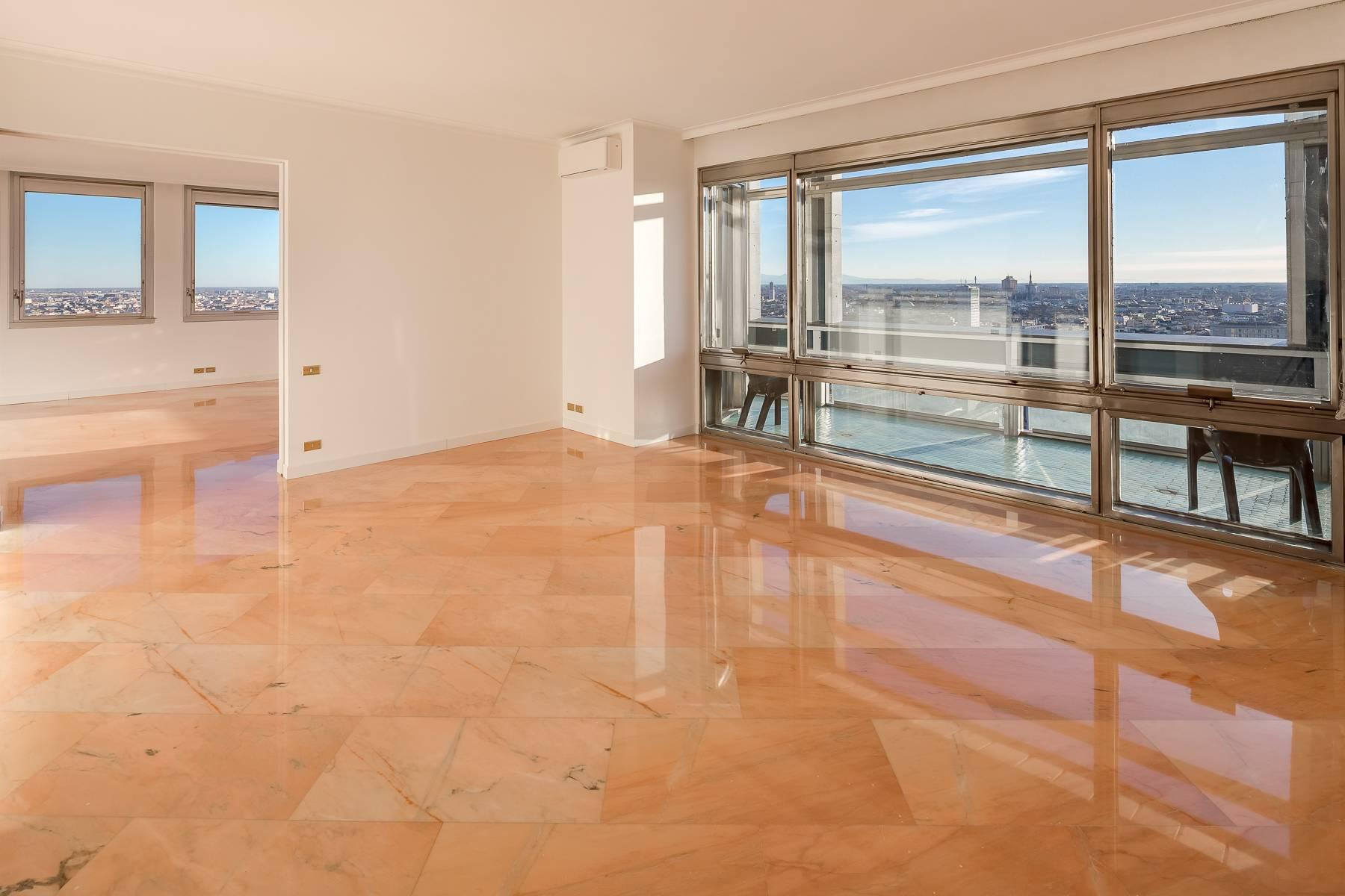 Spectacular apartment in the skyscraper in Piazza repubblica - 4