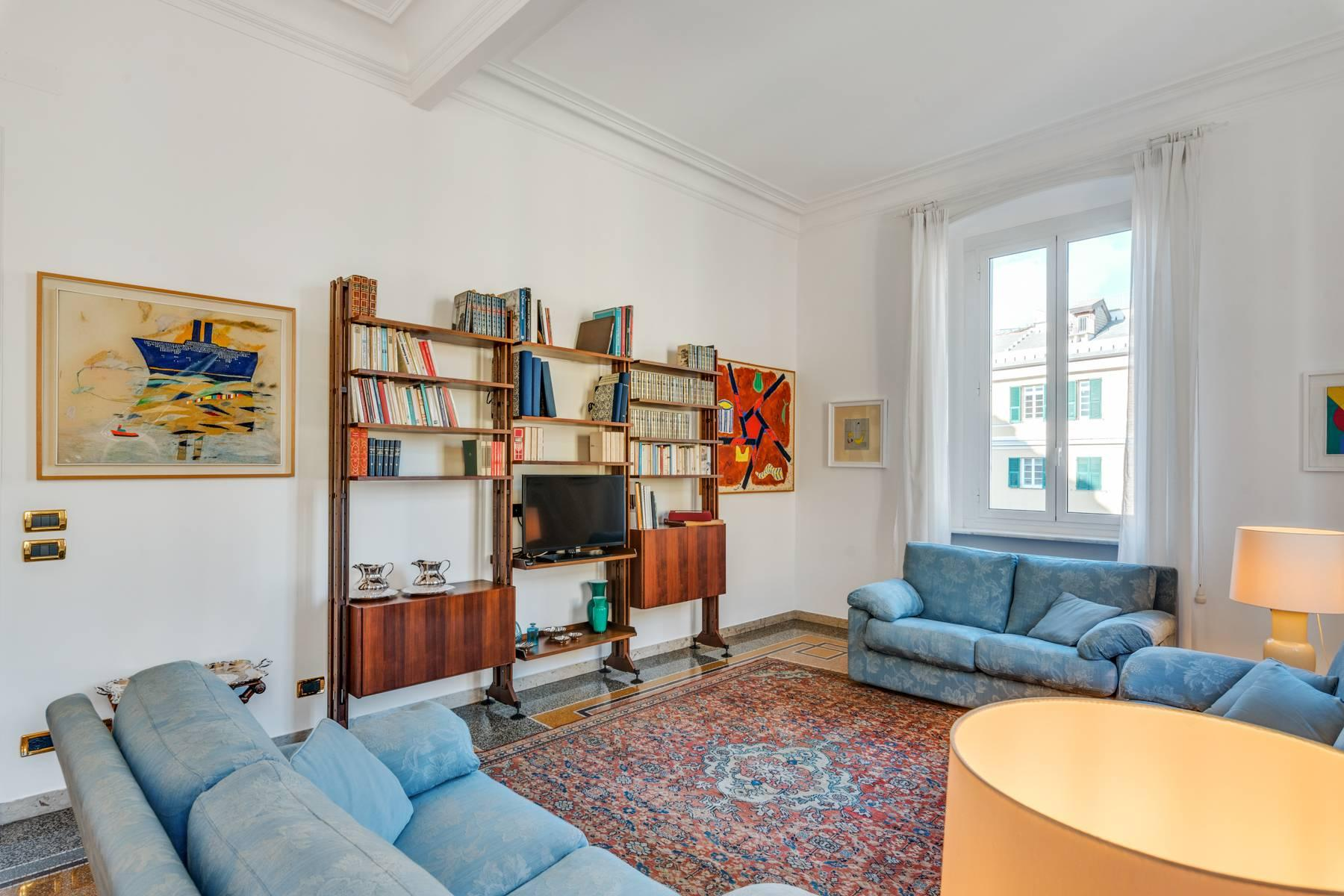 Prestigious 275 sqm apartment inside a period building in Carignano - 14