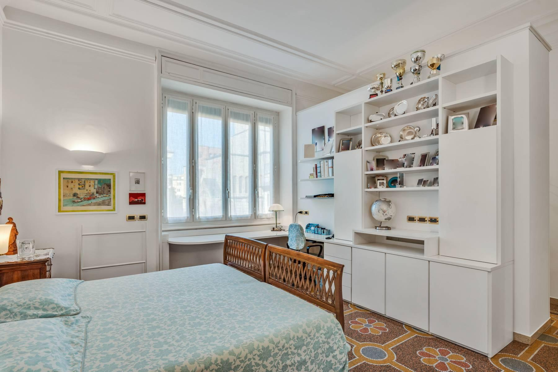 Prestigious 275 sqm apartment inside a period building in Carignano - 15