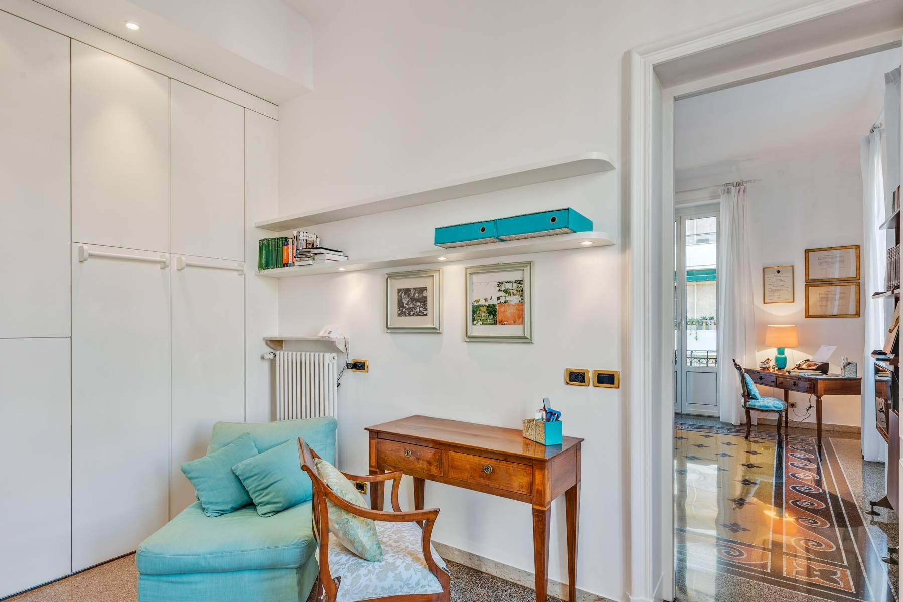 Prestigious 275 sqm apartment inside a period building in Carignano - 17