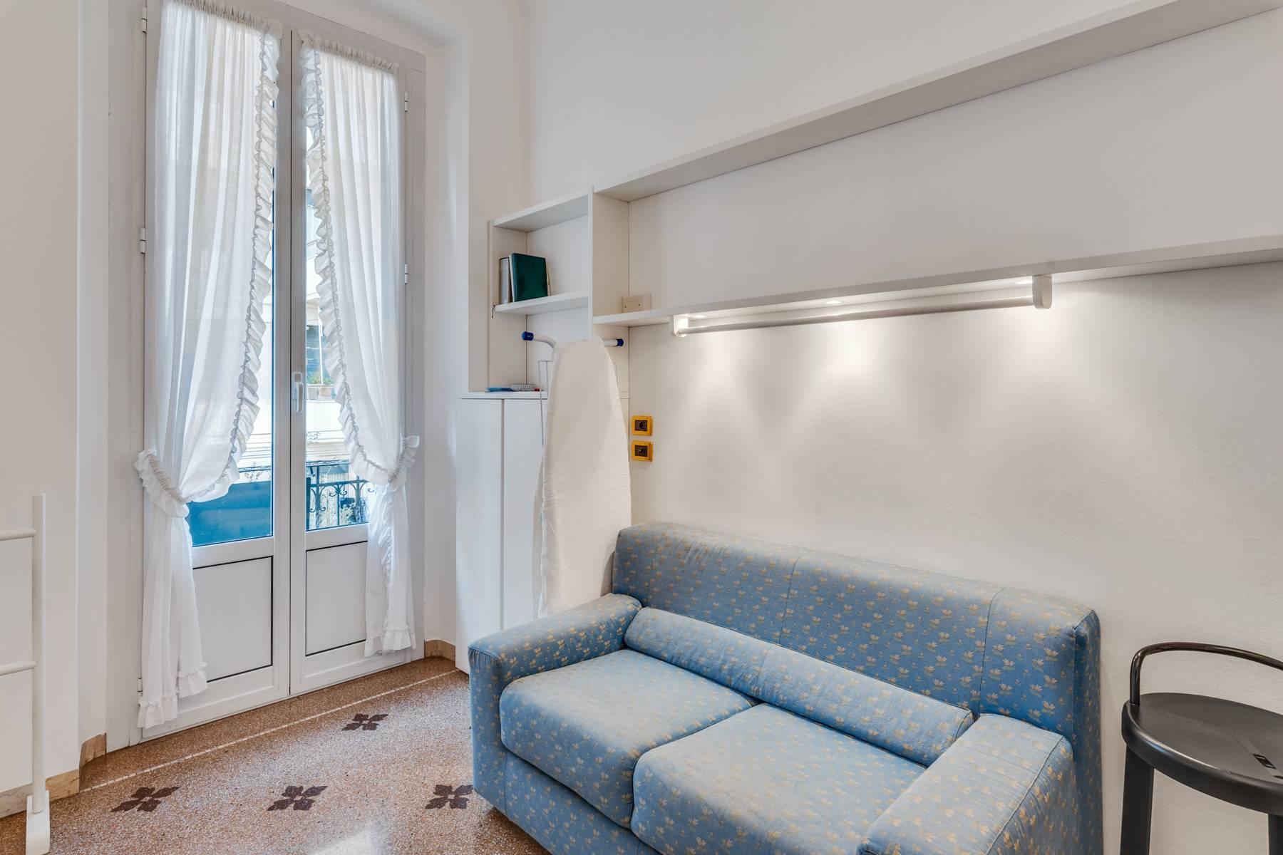 Prestigious 275 sqm apartment inside a period building in Carignano - 26