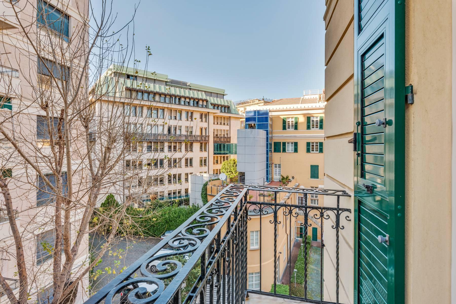 Prestigious 275 sqm apartment inside a period building in Carignano - 16