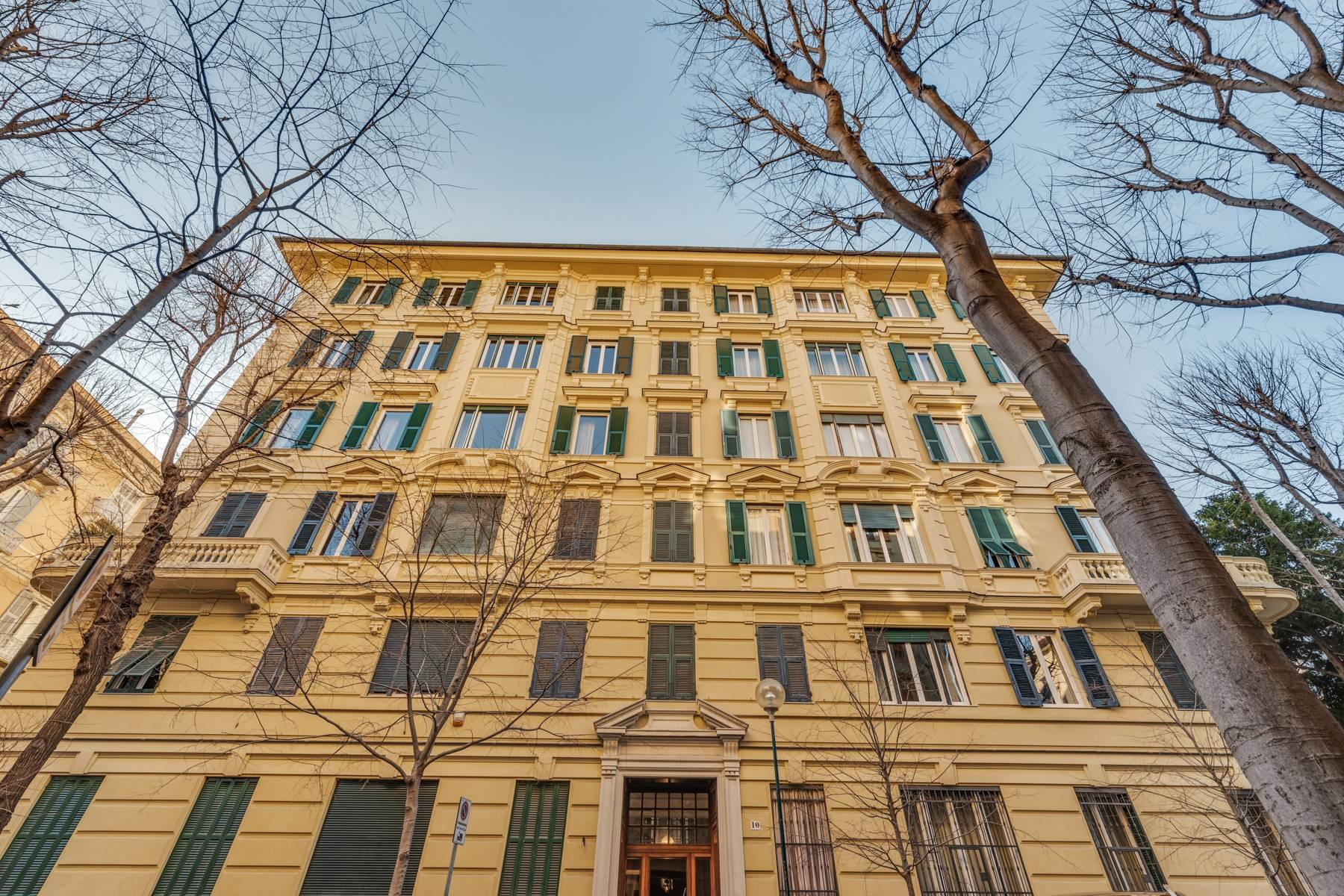 Prestigious 275 sqm apartment inside a period building in Carignano - 1