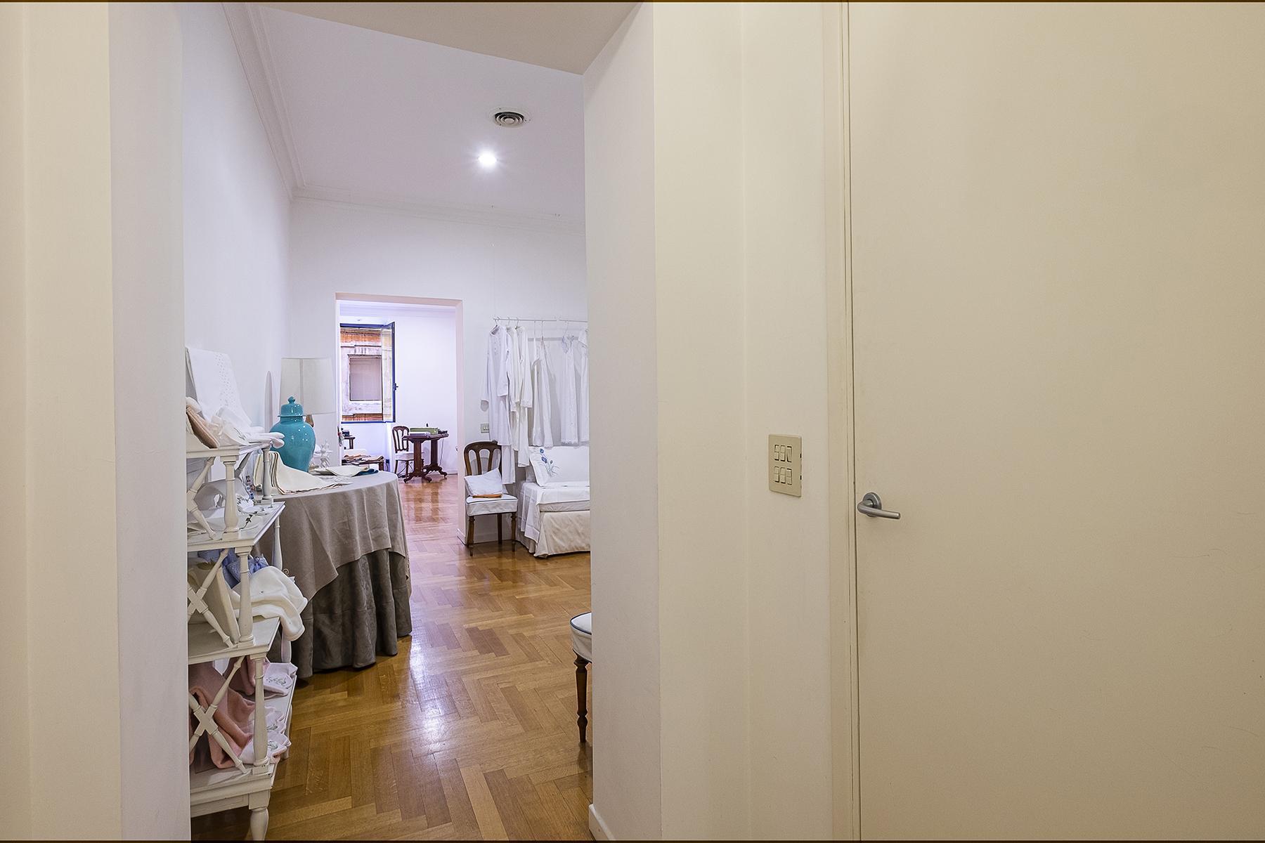 Negozio in affitto nell'esclusiva via Frattina - 14