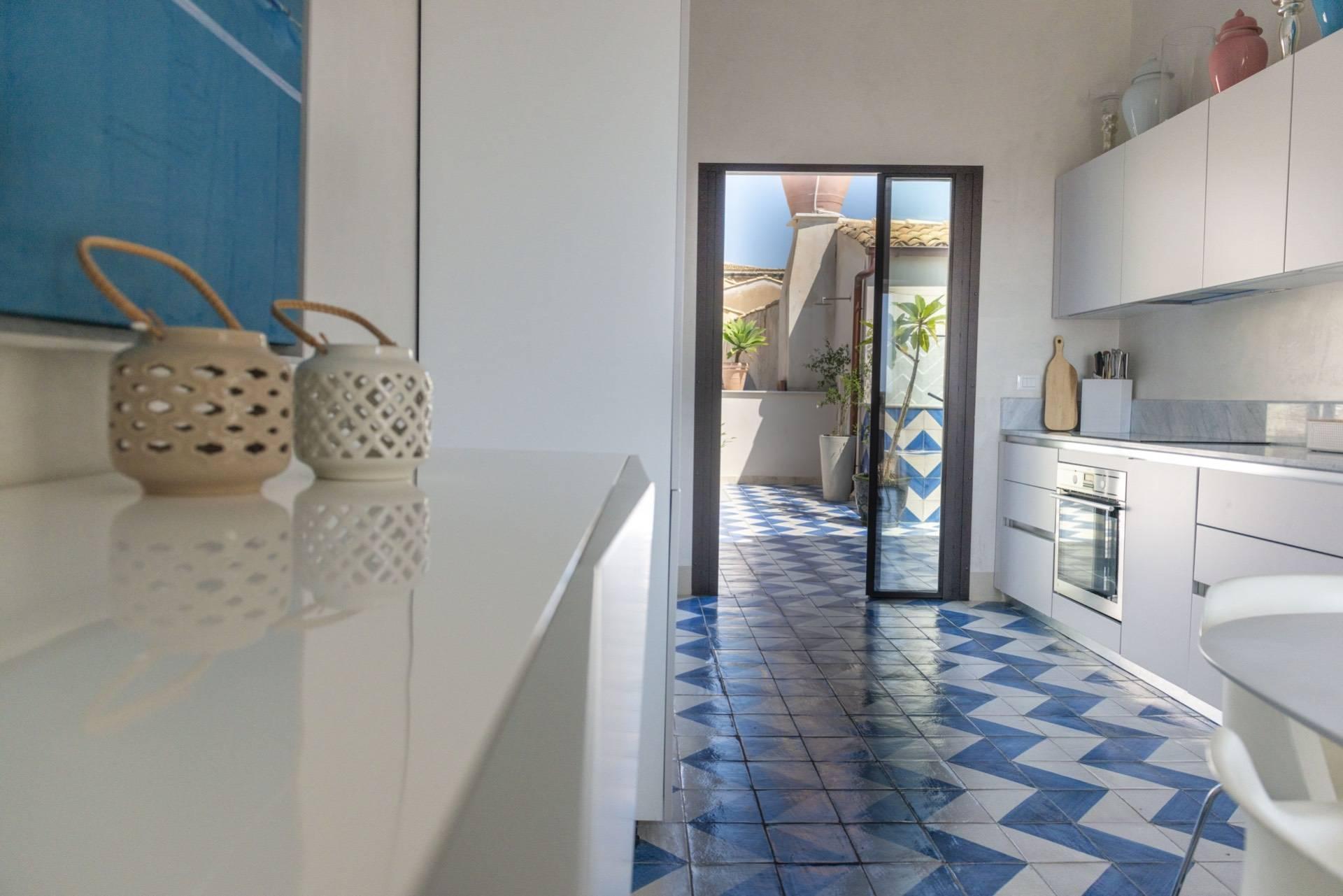 Wohnung mit Terrasse im Herzen Notos - 11