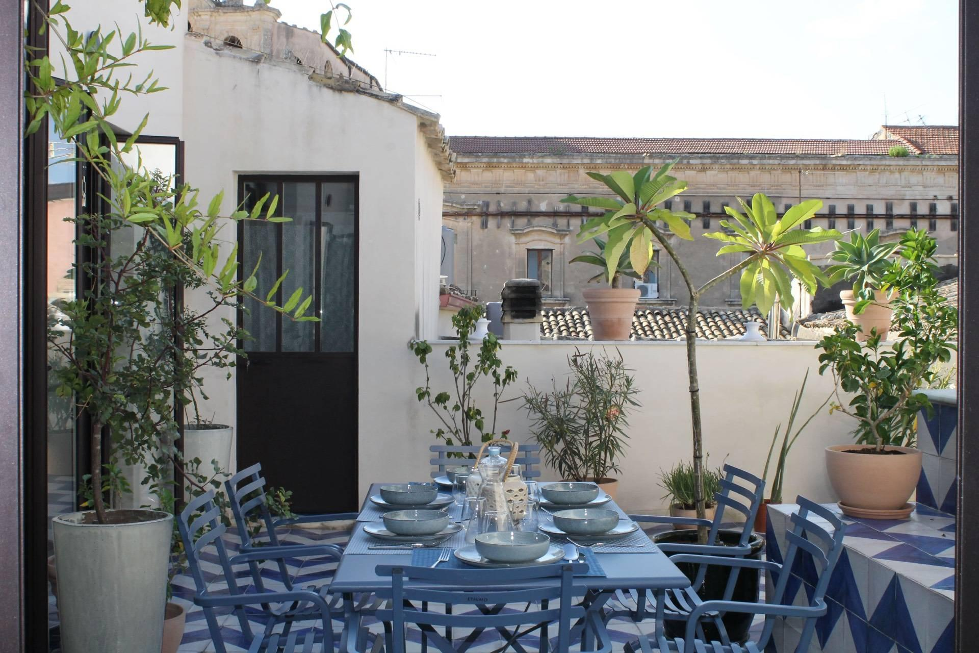 Apartment with terrace in the heart of Noto. - 2