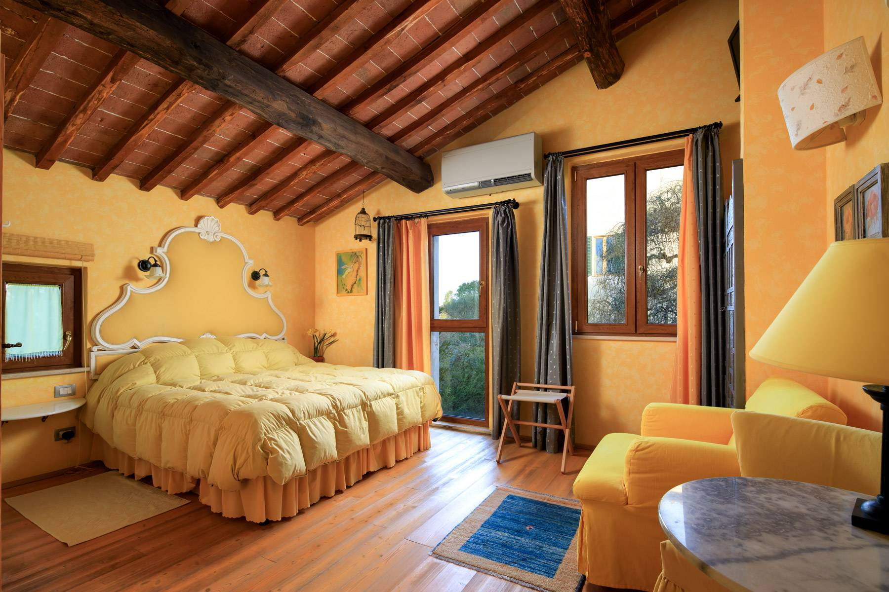 Wonderful historical Villa and country house close by Siena - 22