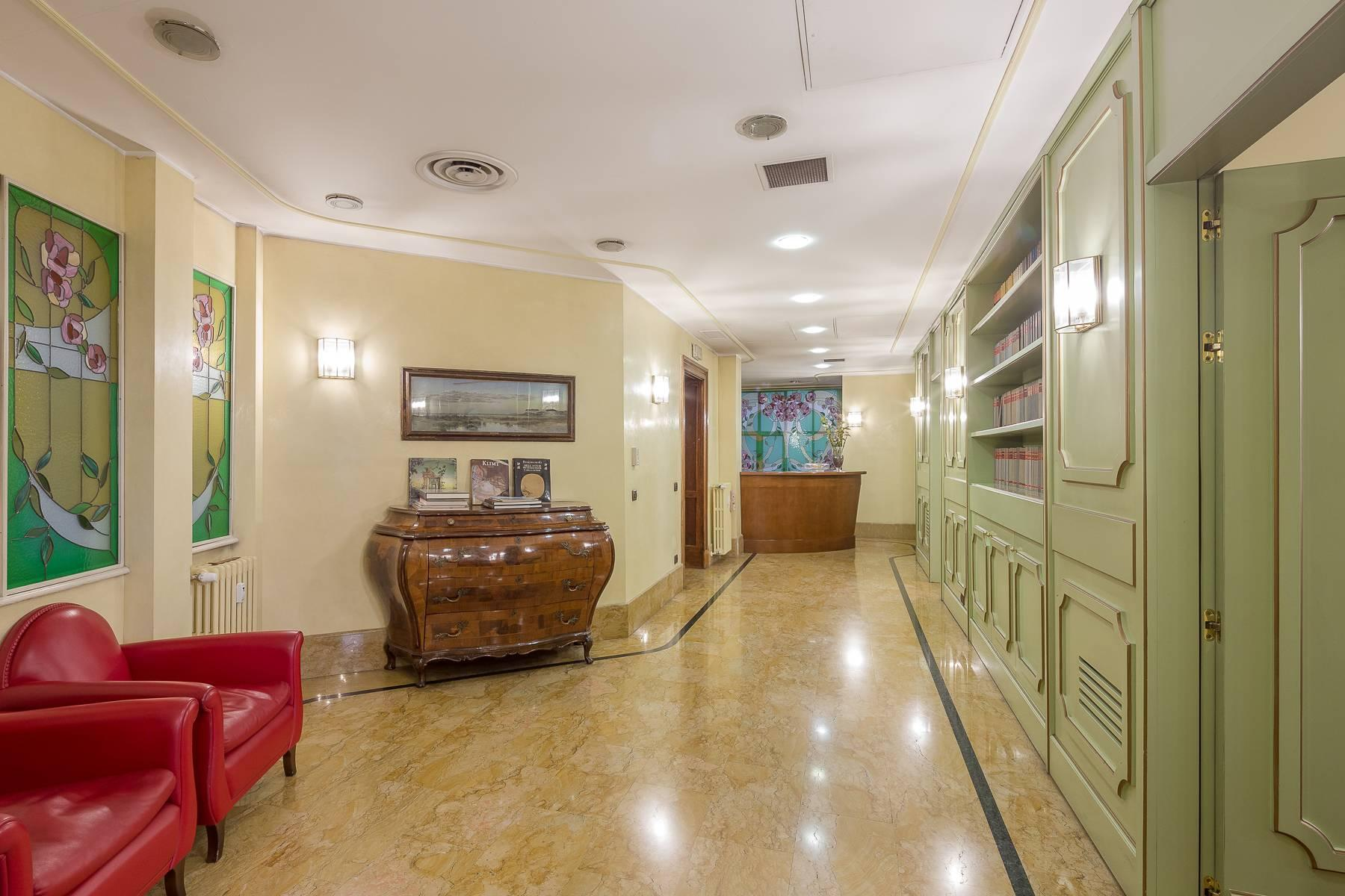 Elegant and prestigious studio in the center of Milan - 4